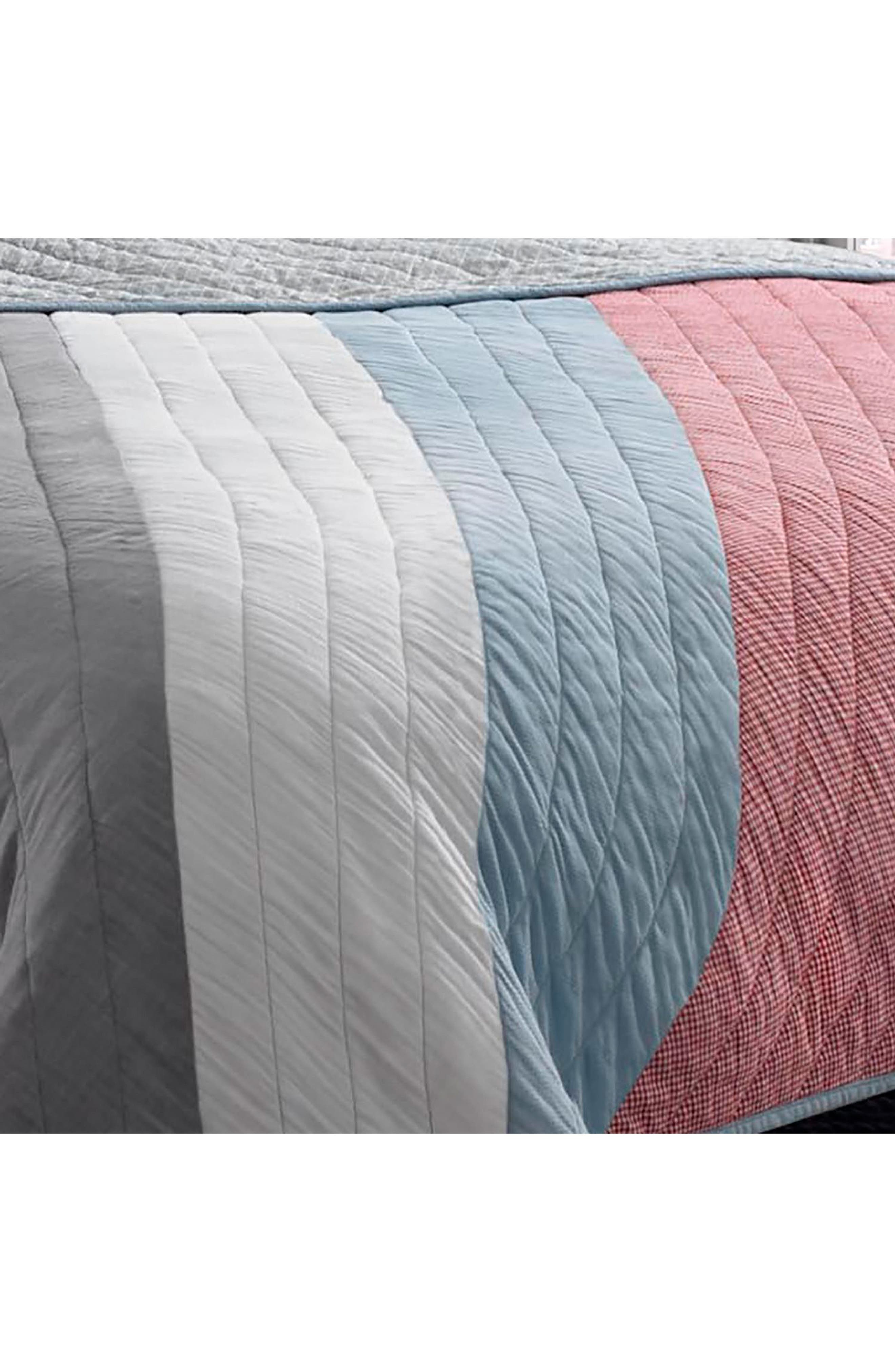 Nolan Reversible Pieced Quilt,                             Alternate thumbnail 3, color,                             Open Med Red