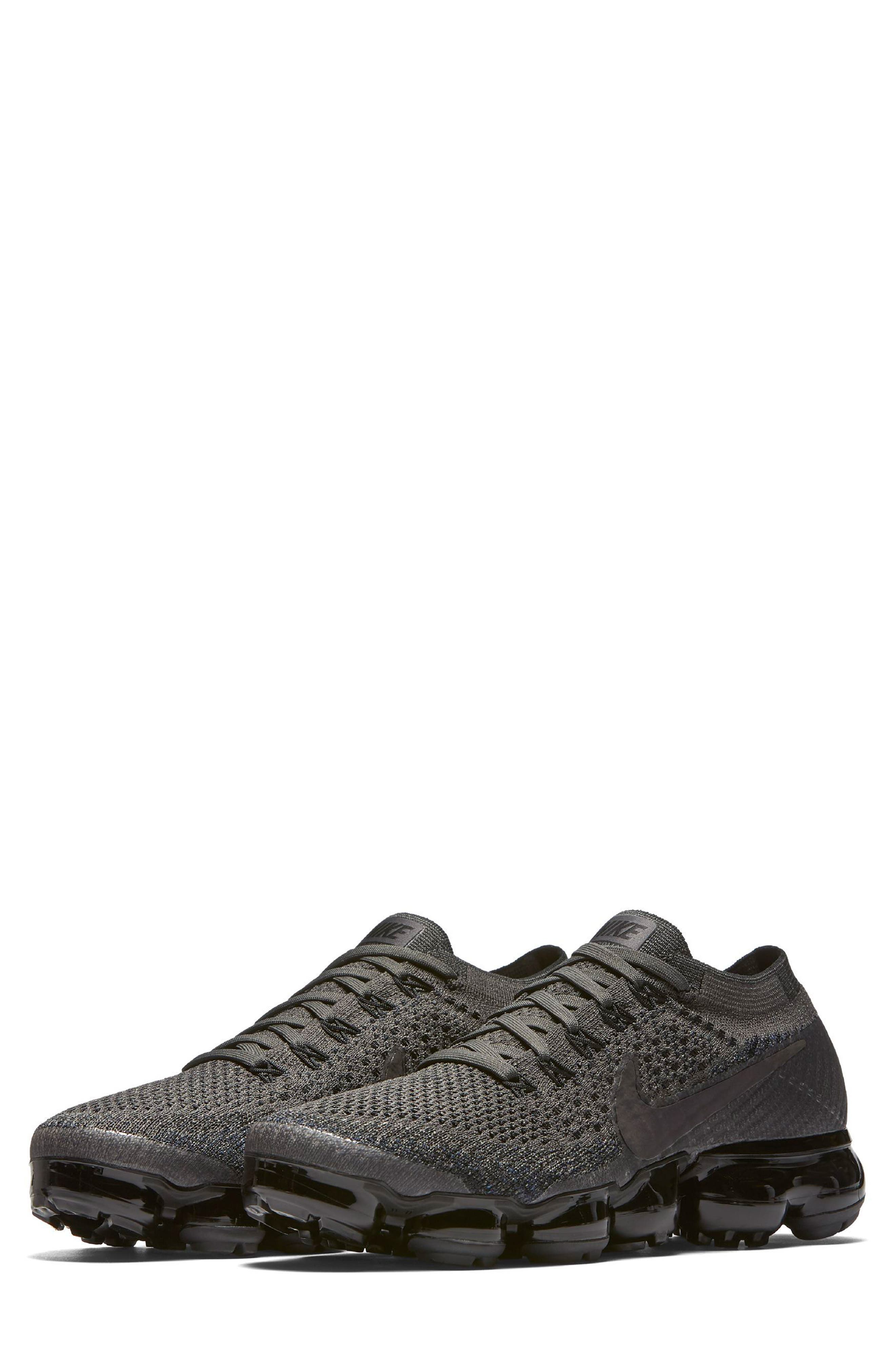 Nike Air VaporMax Flyknit Running Shoe (Women)
