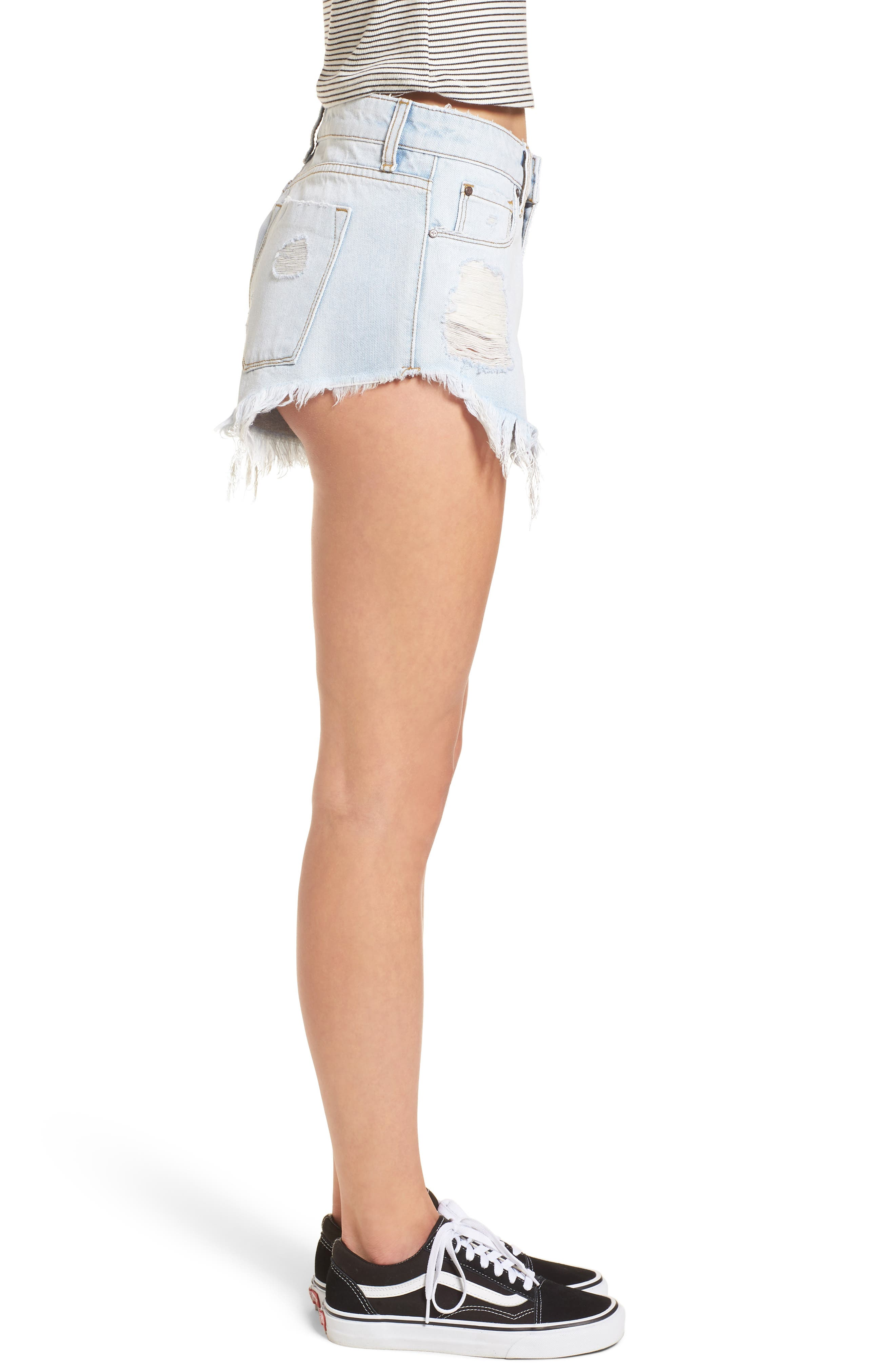 Fray Hem Denim Shorts,                             Alternate thumbnail 3, color,                             Light Wash