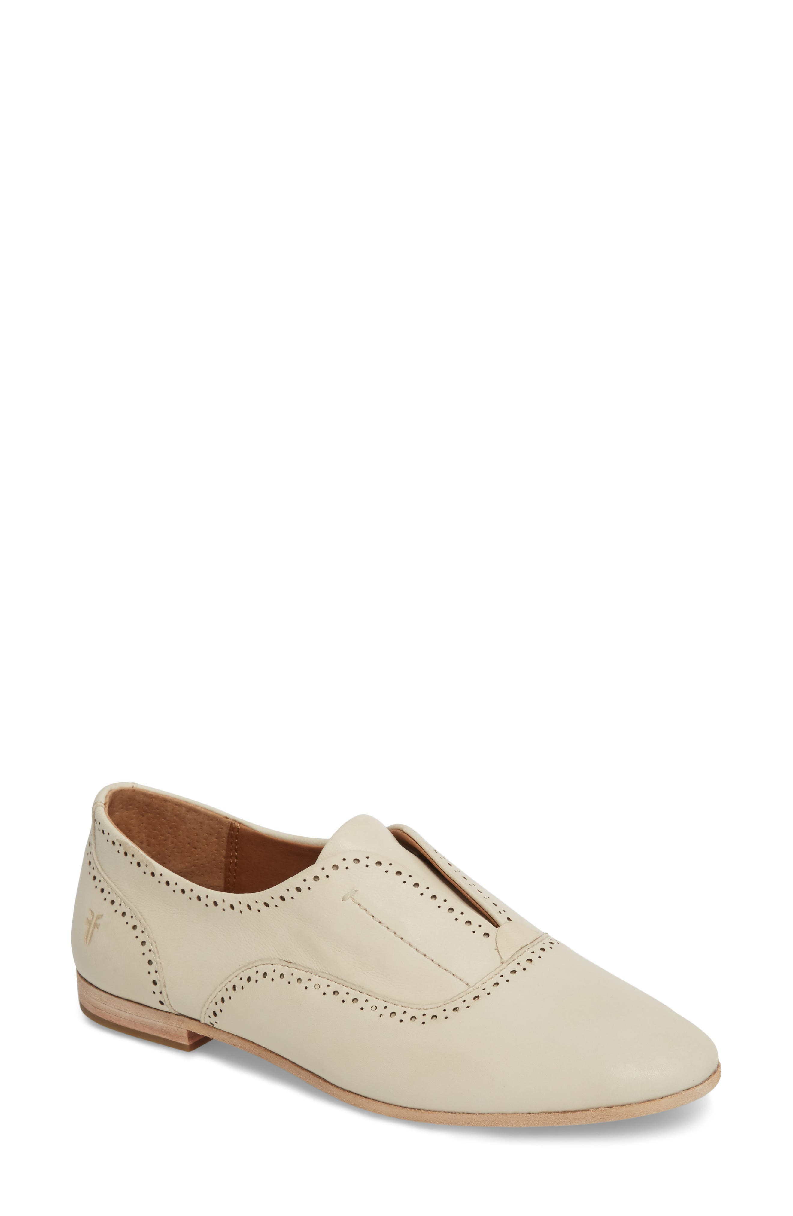 Terri Perforated Oxford in White Leather