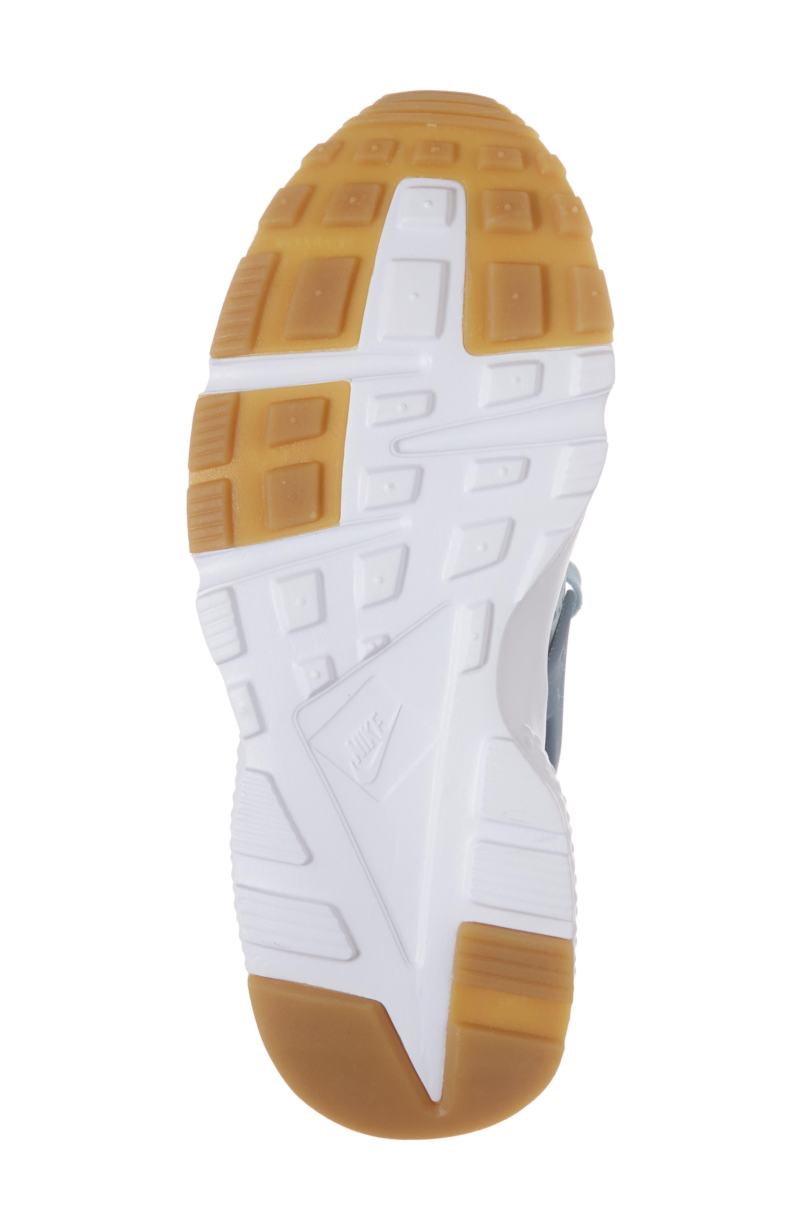 Alternate Image 6  - Nike Huarache Run SE Sneaker (Baby, Walker, Toddler, Little Kid & Big Kid)