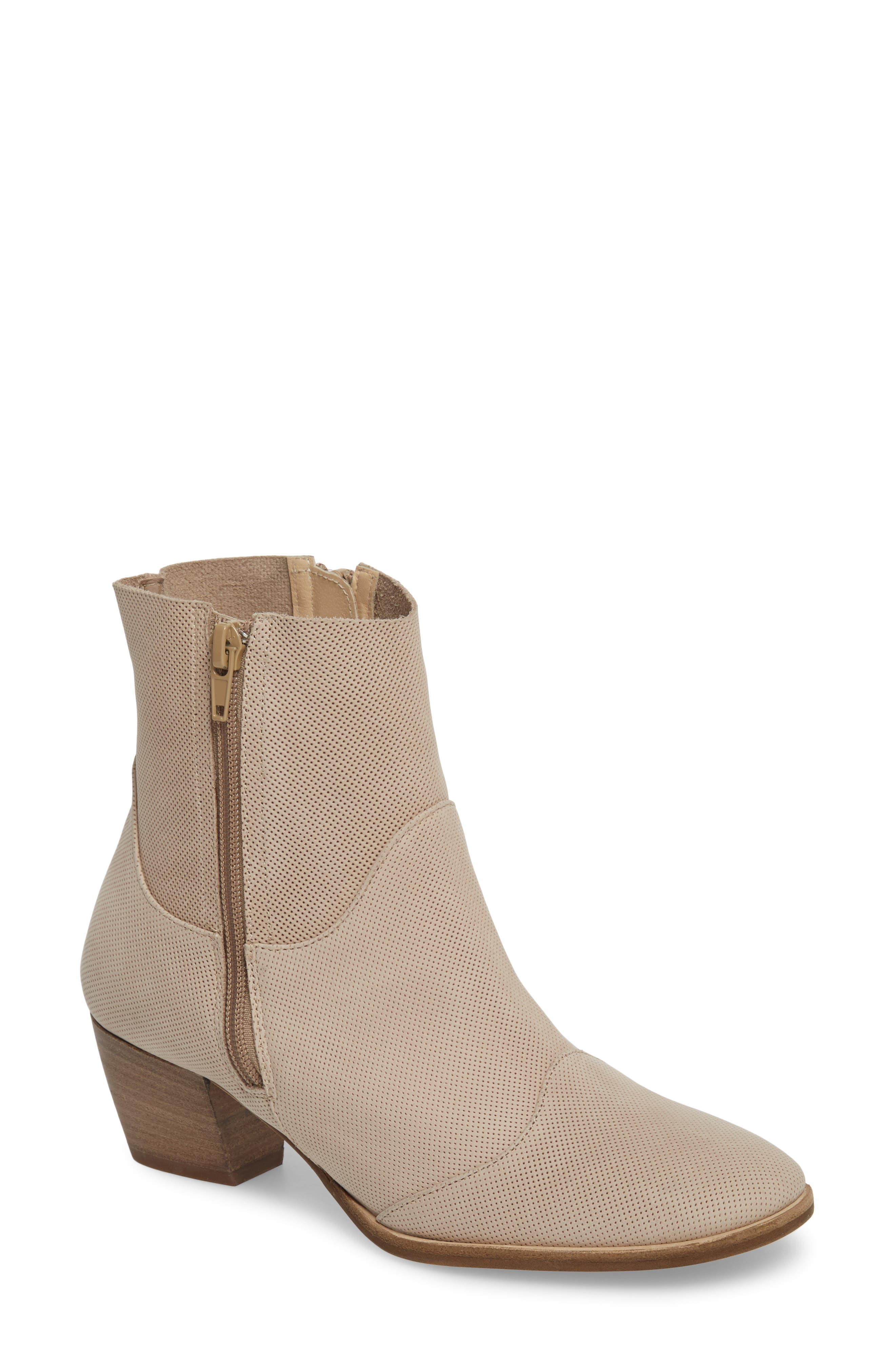 AMALFI BY RANGONI Robin Bootie in Natural Leather