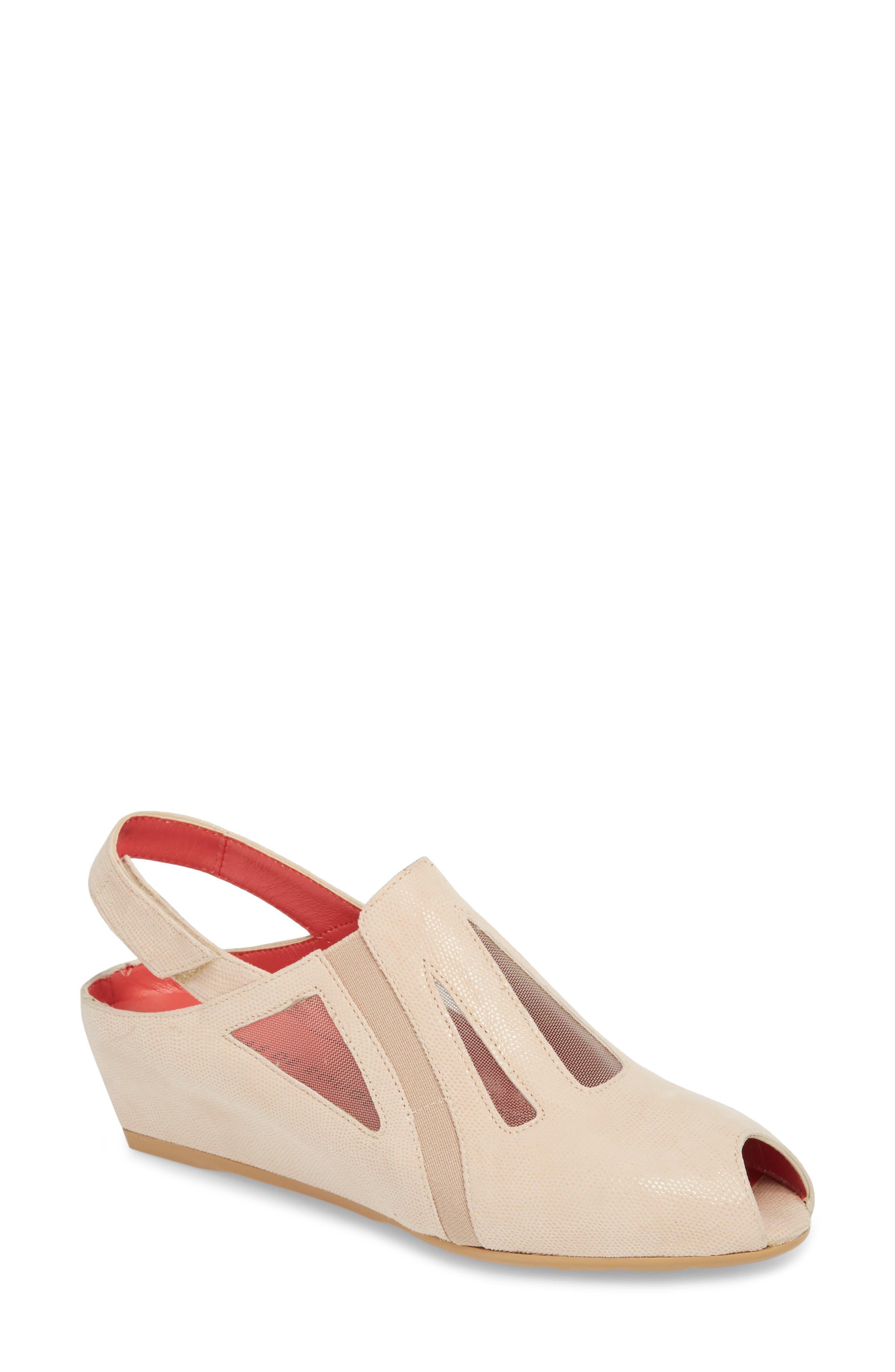 Pas de Rouge Franca Slingback Sandal (Women)