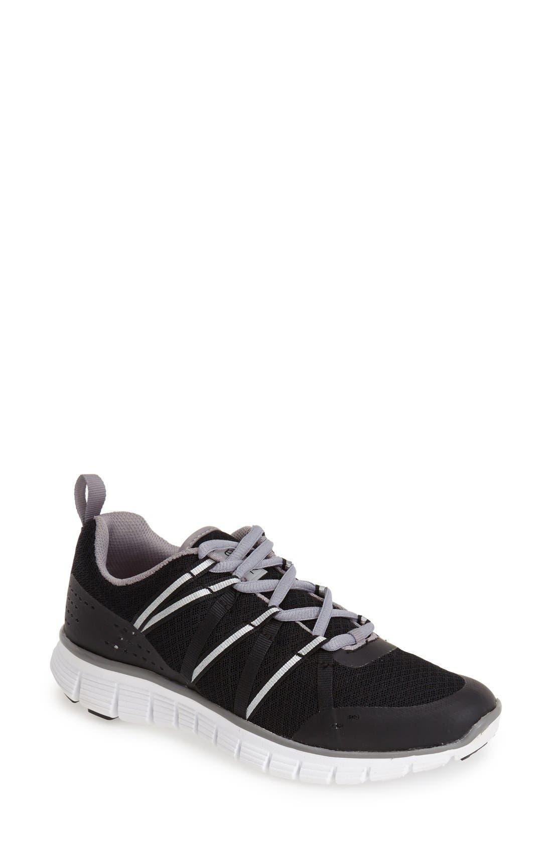 Alternate Image 1 Selected - Zella 'Dash' Running Shoe (Women)