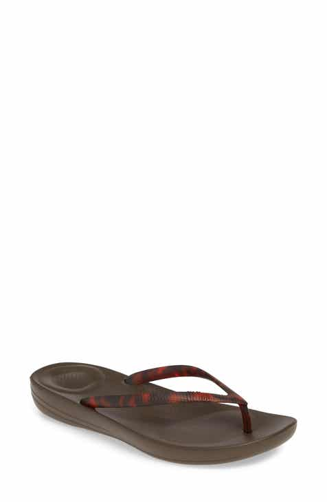 58b9cf559090 FitFlop iQushion Flip Flop (Women)