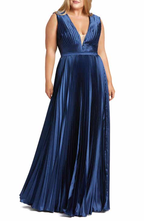 Mac Duggal Plunge Pleat Gown (Plus Size)