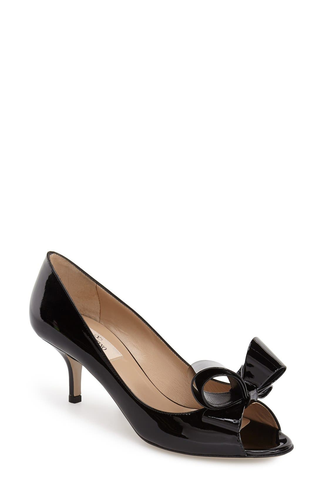 Alternate Image 1 Selected - VALENTINO GARAVANI Couture Bow Pump (Women)