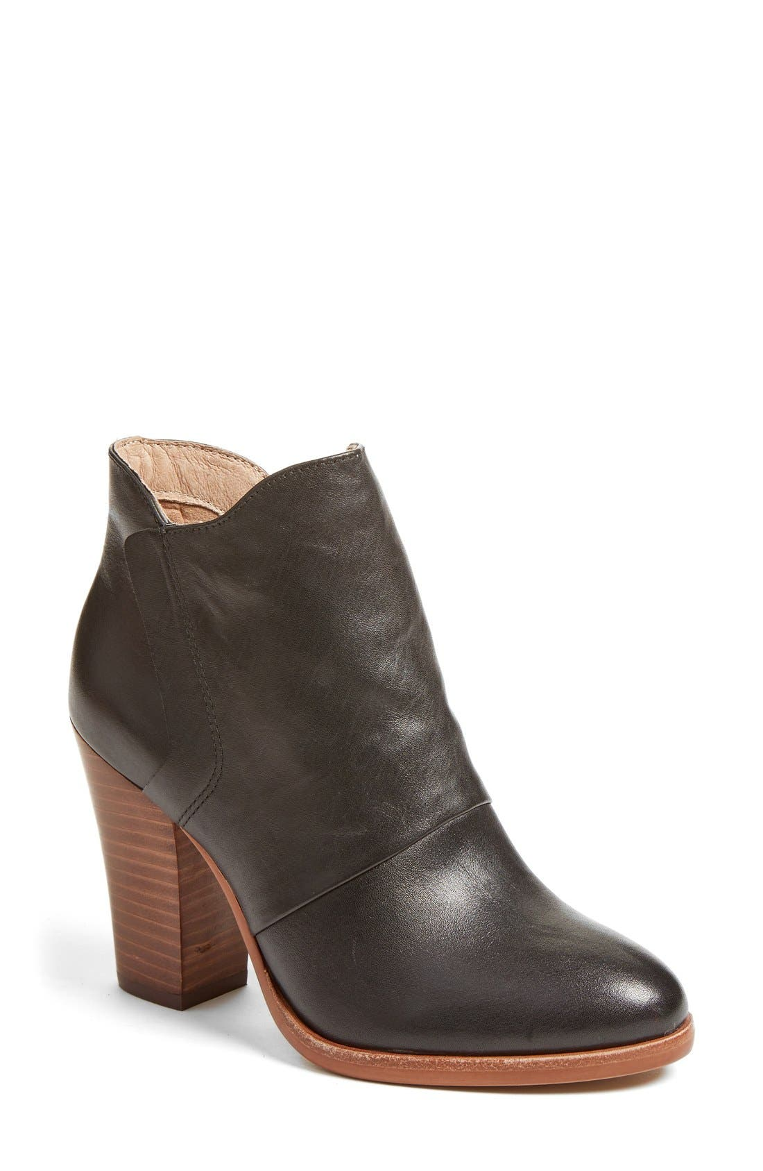 Alternate Image 1 Selected - Halogen® 'Brynn' Bootie (Women)