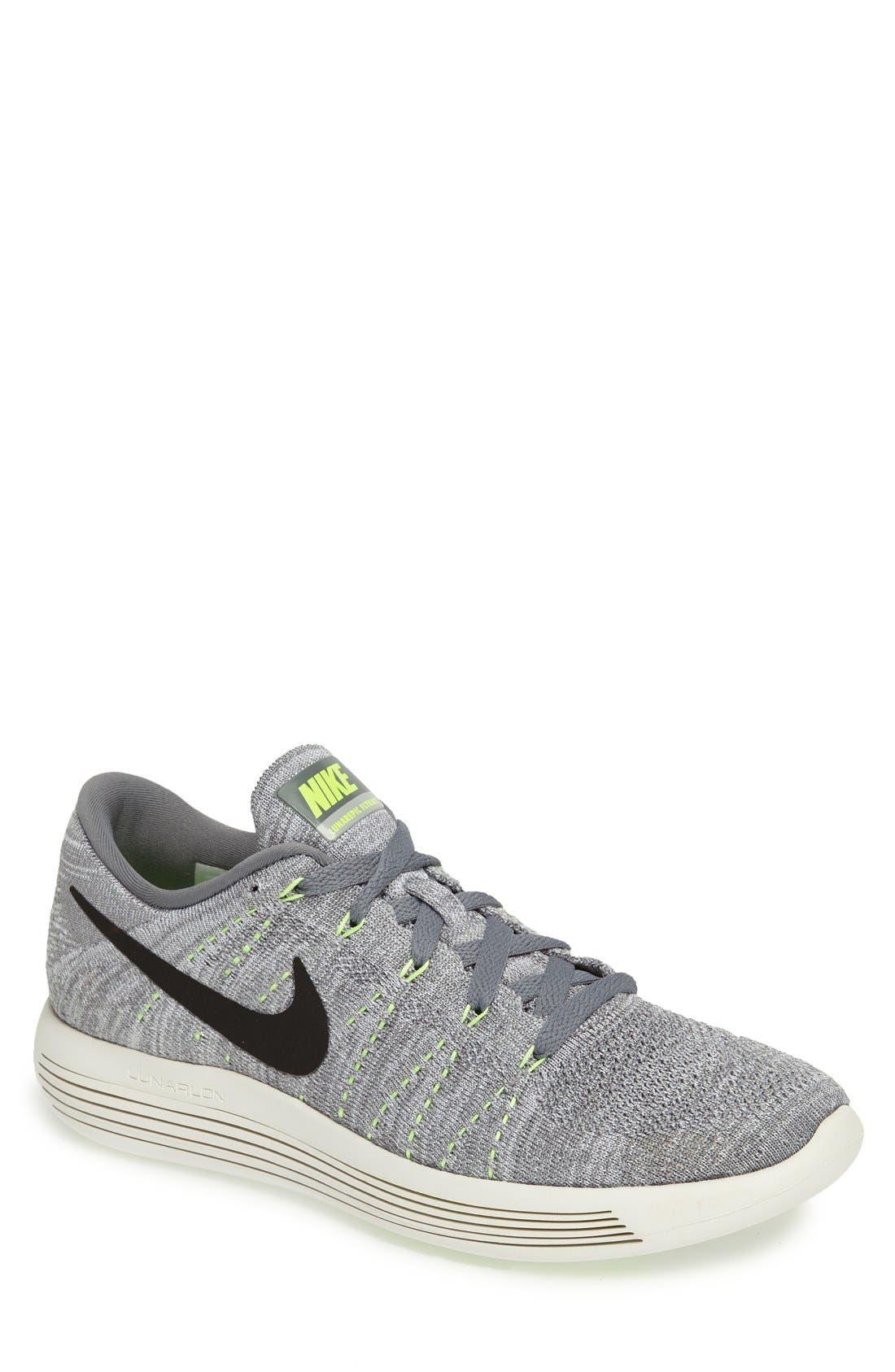Main Image - Nike 'LunarEpic Low Flyknit' Running Shoe (Men)