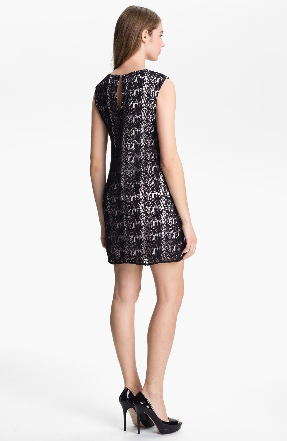 Alternate Image 2  - Vince Camuto Paisley Lace Shift Dress (Petite)