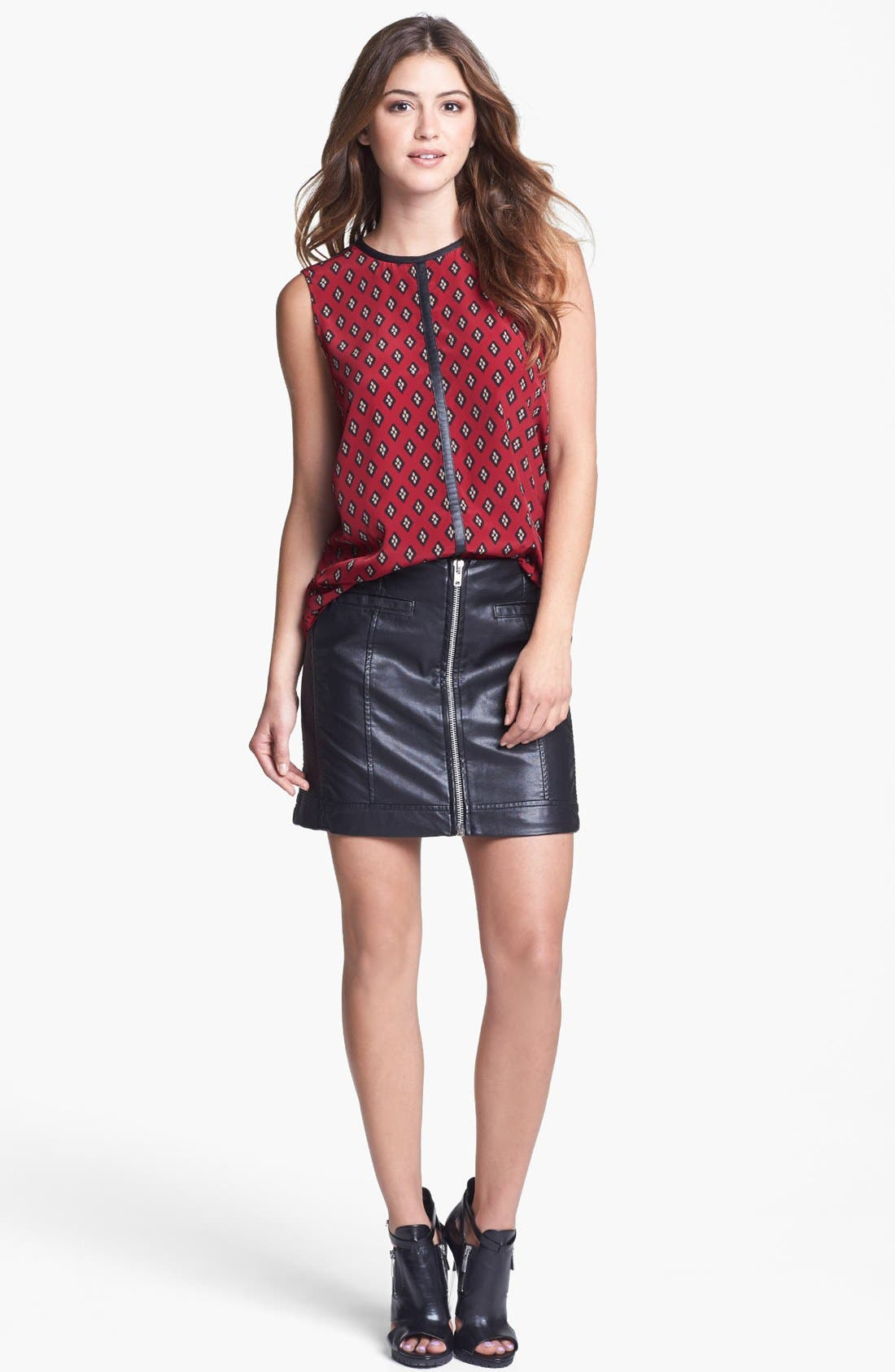 Main Image - Vince Camuto Faux Leather Trim Print Shell