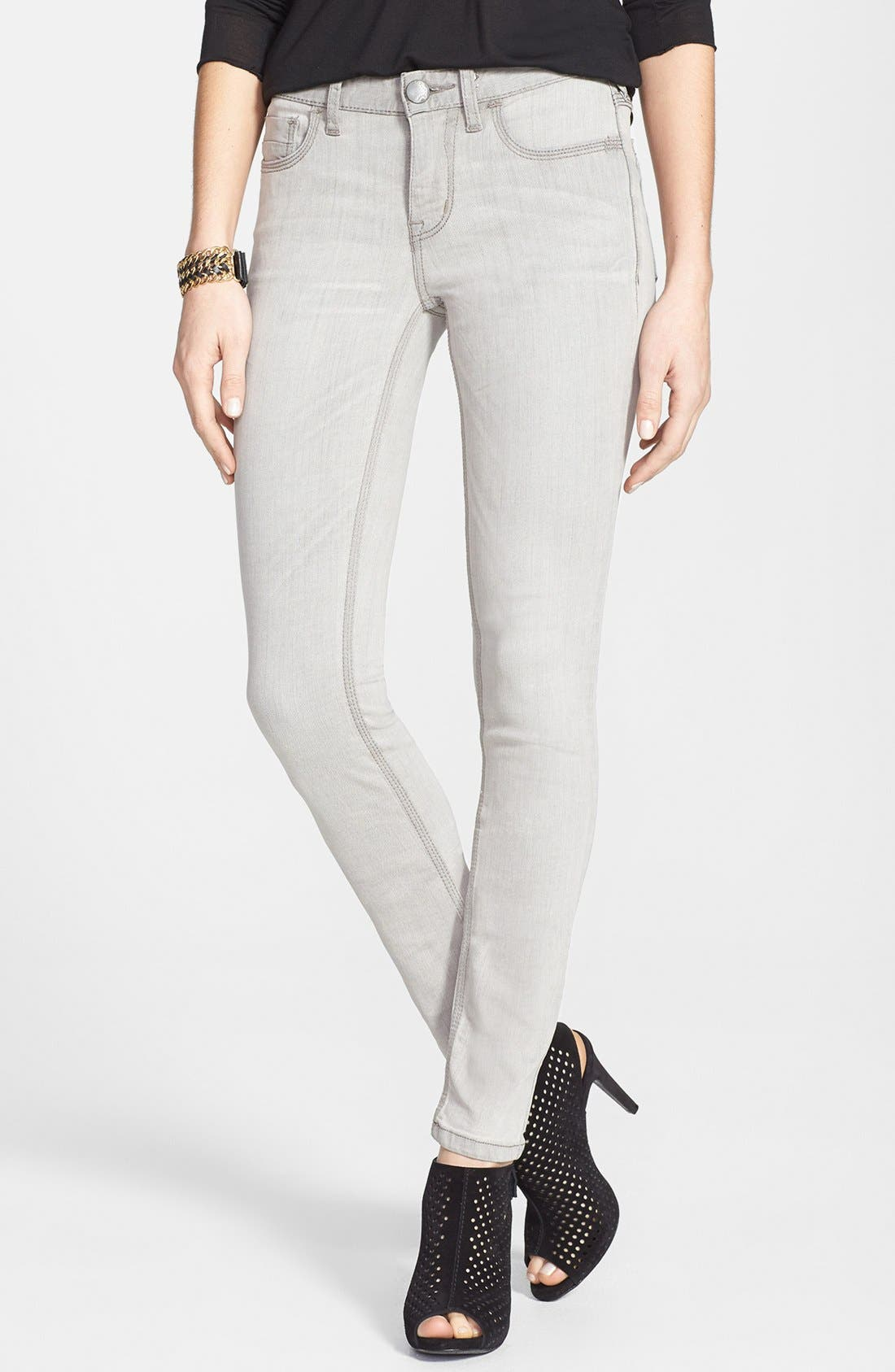 Main Image - Free People Stretch Skinny Jeans (Cloudy Grey)