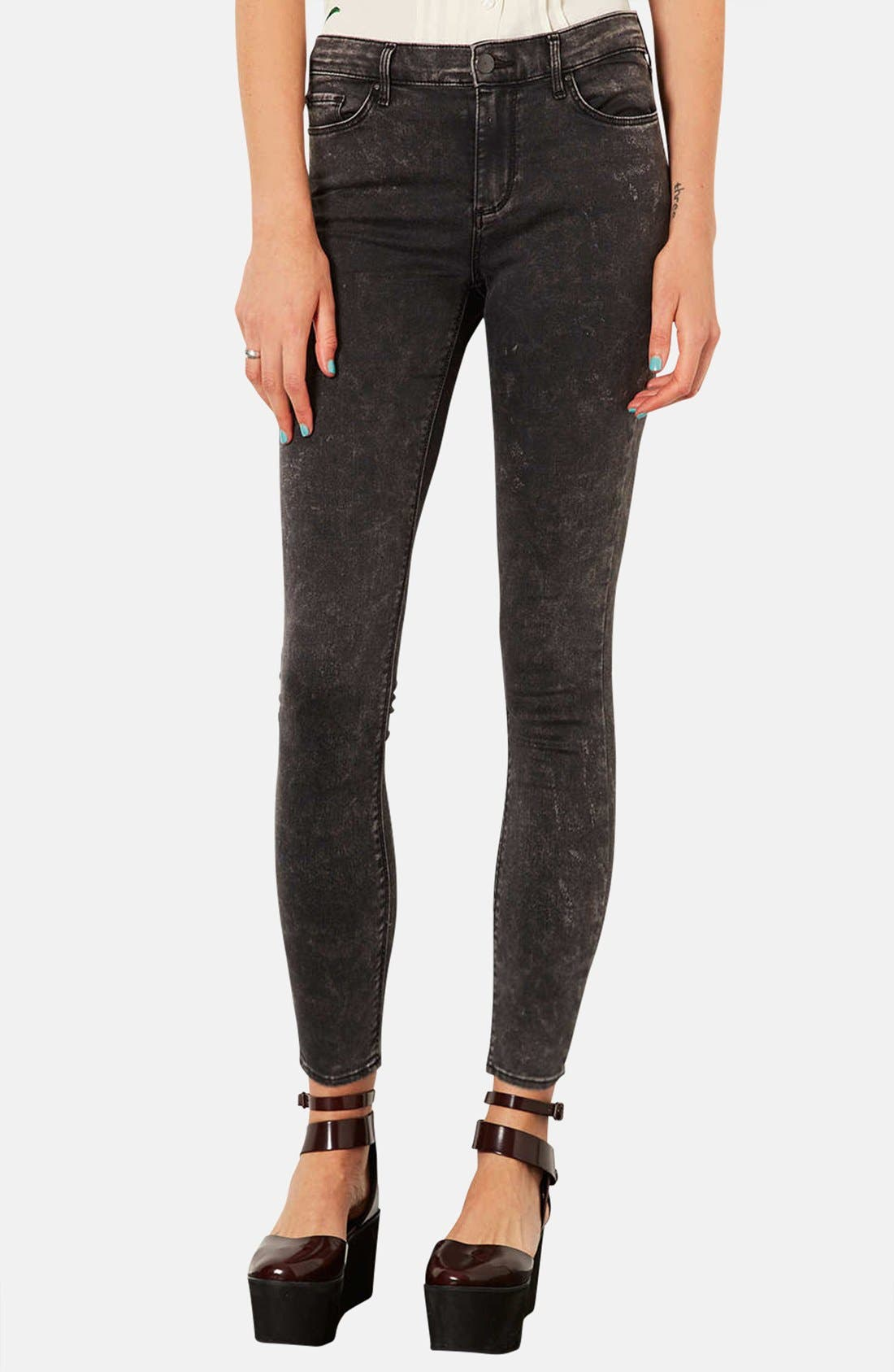 Main Image - Topshop Moto 'Leigh' Mottled Skinny Jeans (Regular & Short)