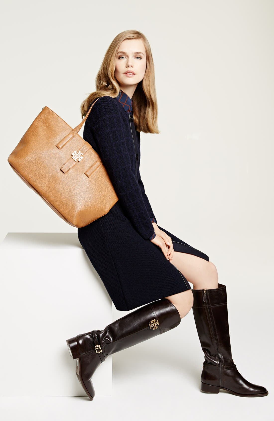 Alternate Image 6  - Tory Burch 'Plaque' Leather Tote
