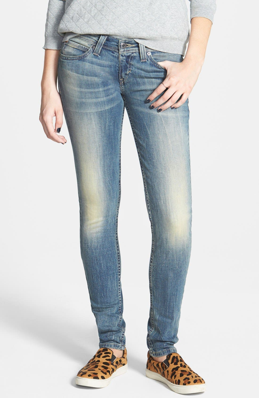 Alternate Image 1 Selected - Levi's® Demi Curve Skinny Jeans (Navy)