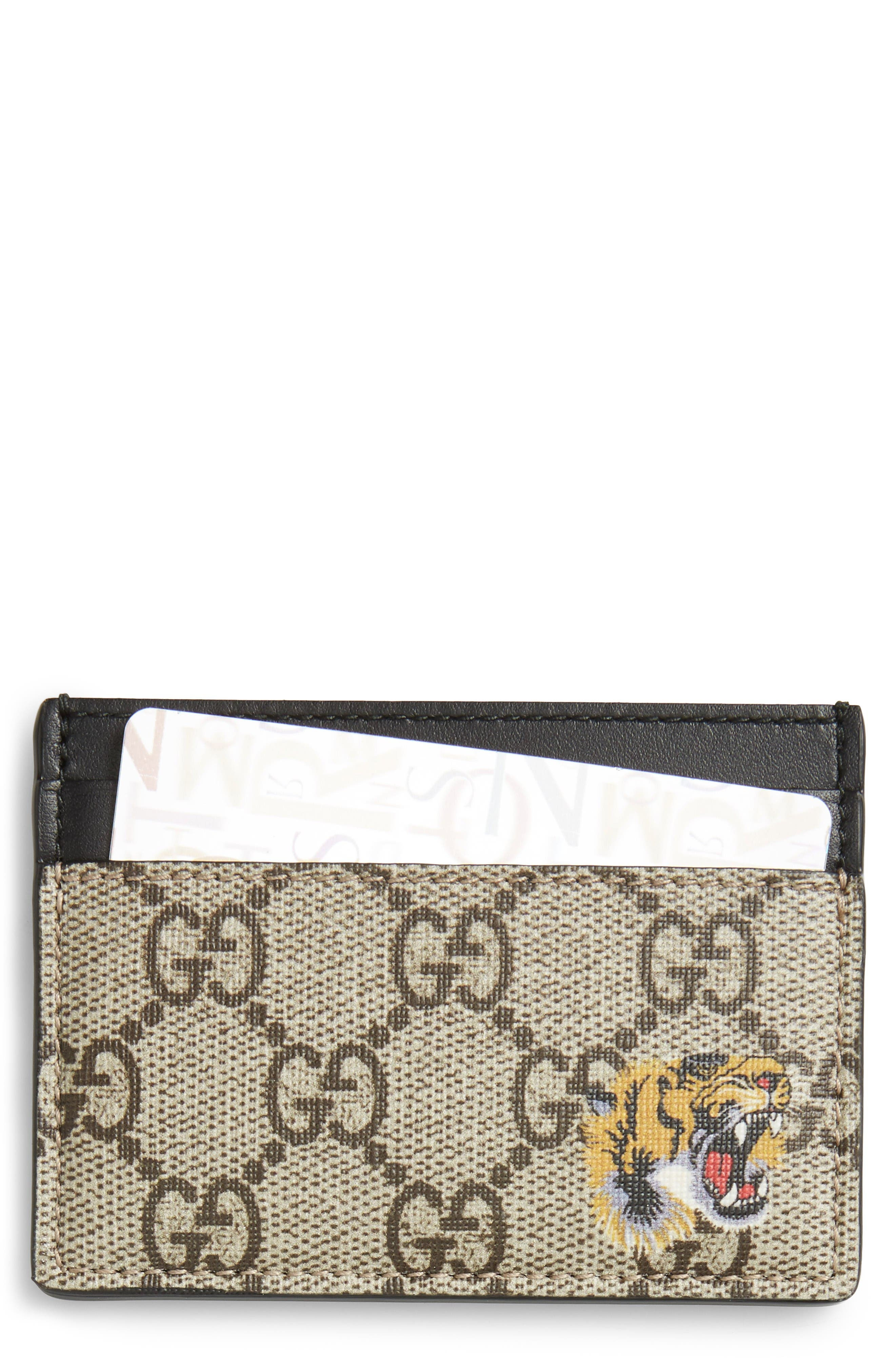 Alternate Image 1 Selected - Gucci Logo Card Case