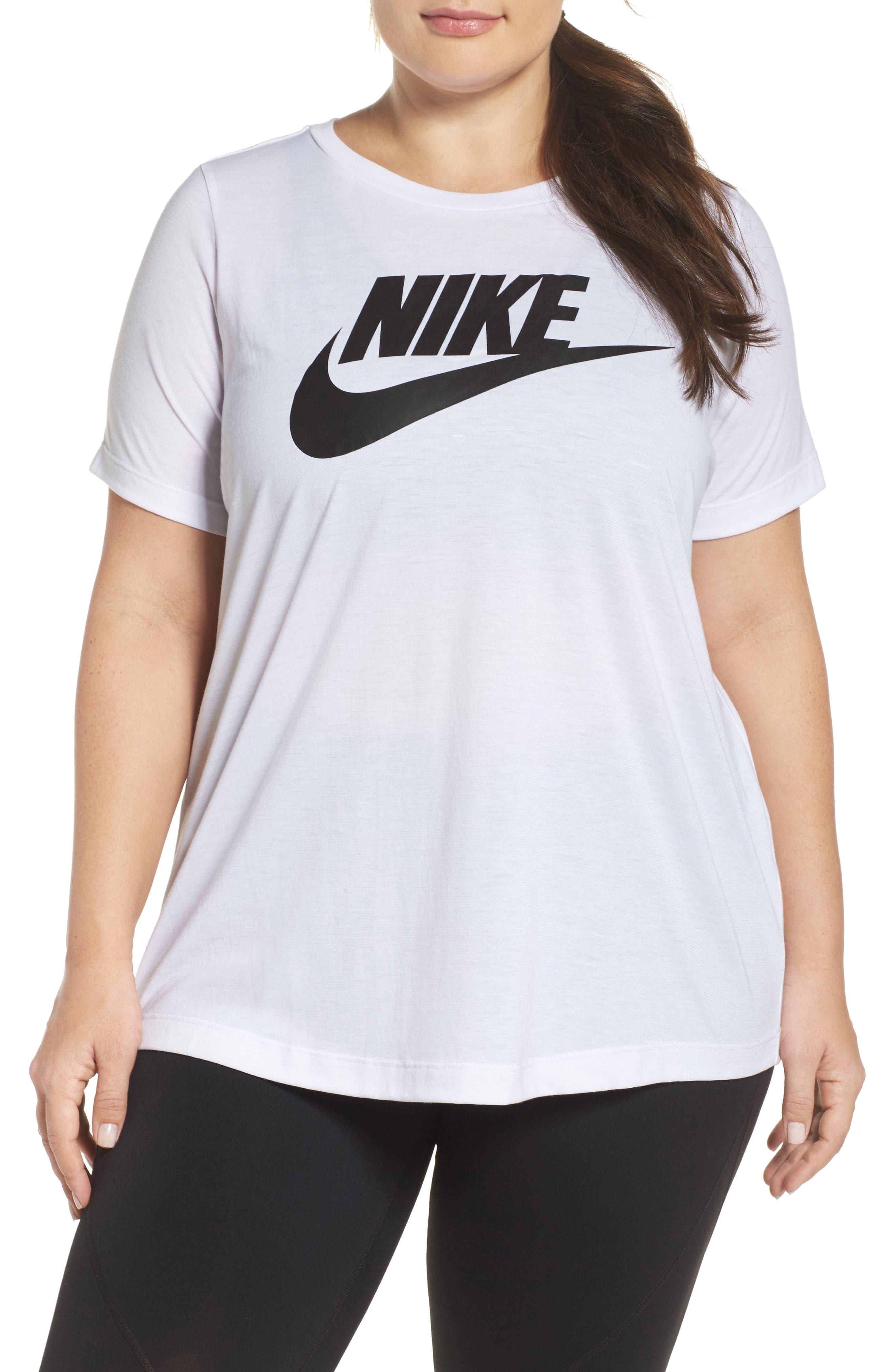 Nike Essential Tee (Plus Size)