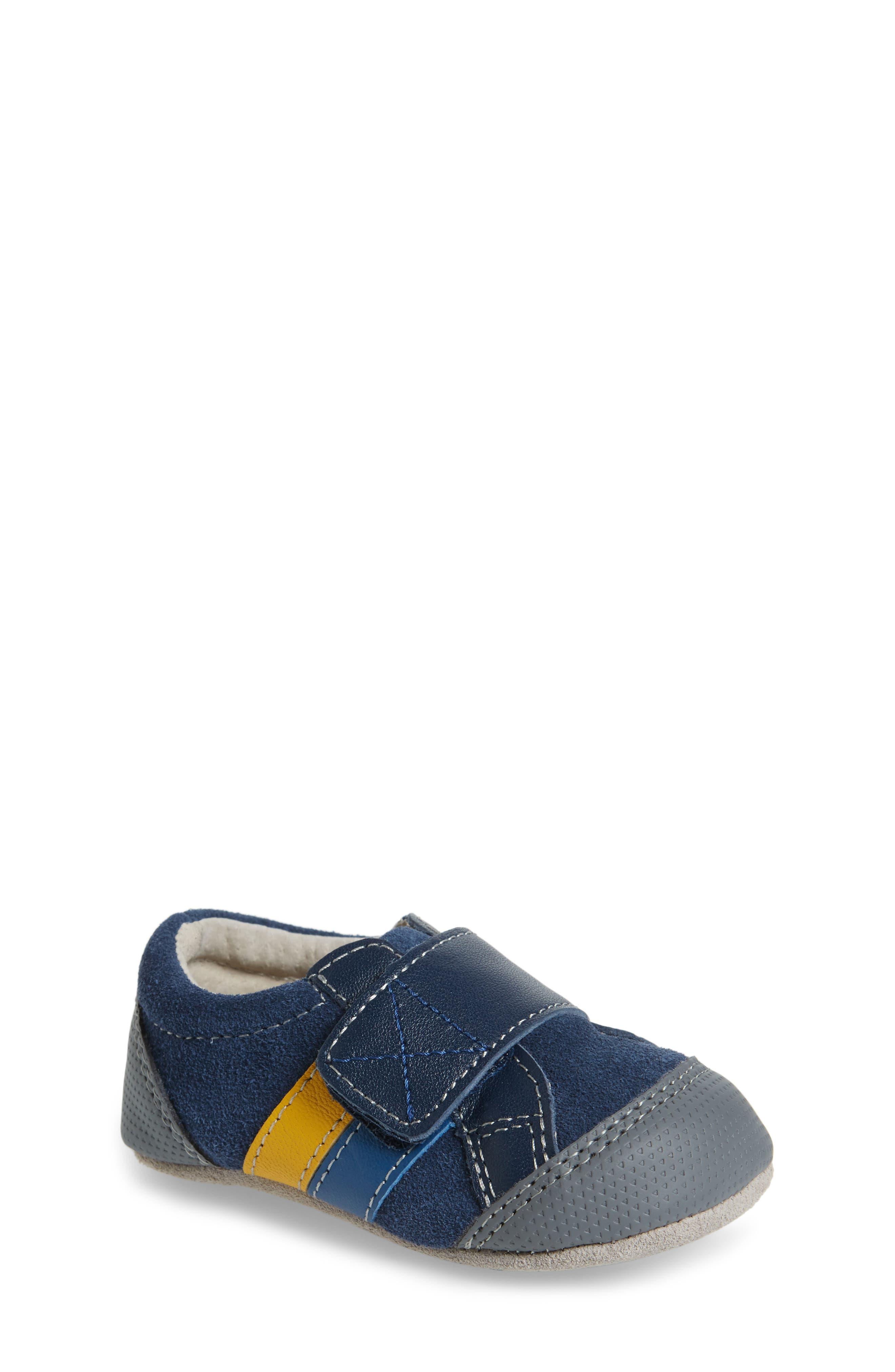 See Kai Run Randall II Crib Shoe (Baby)