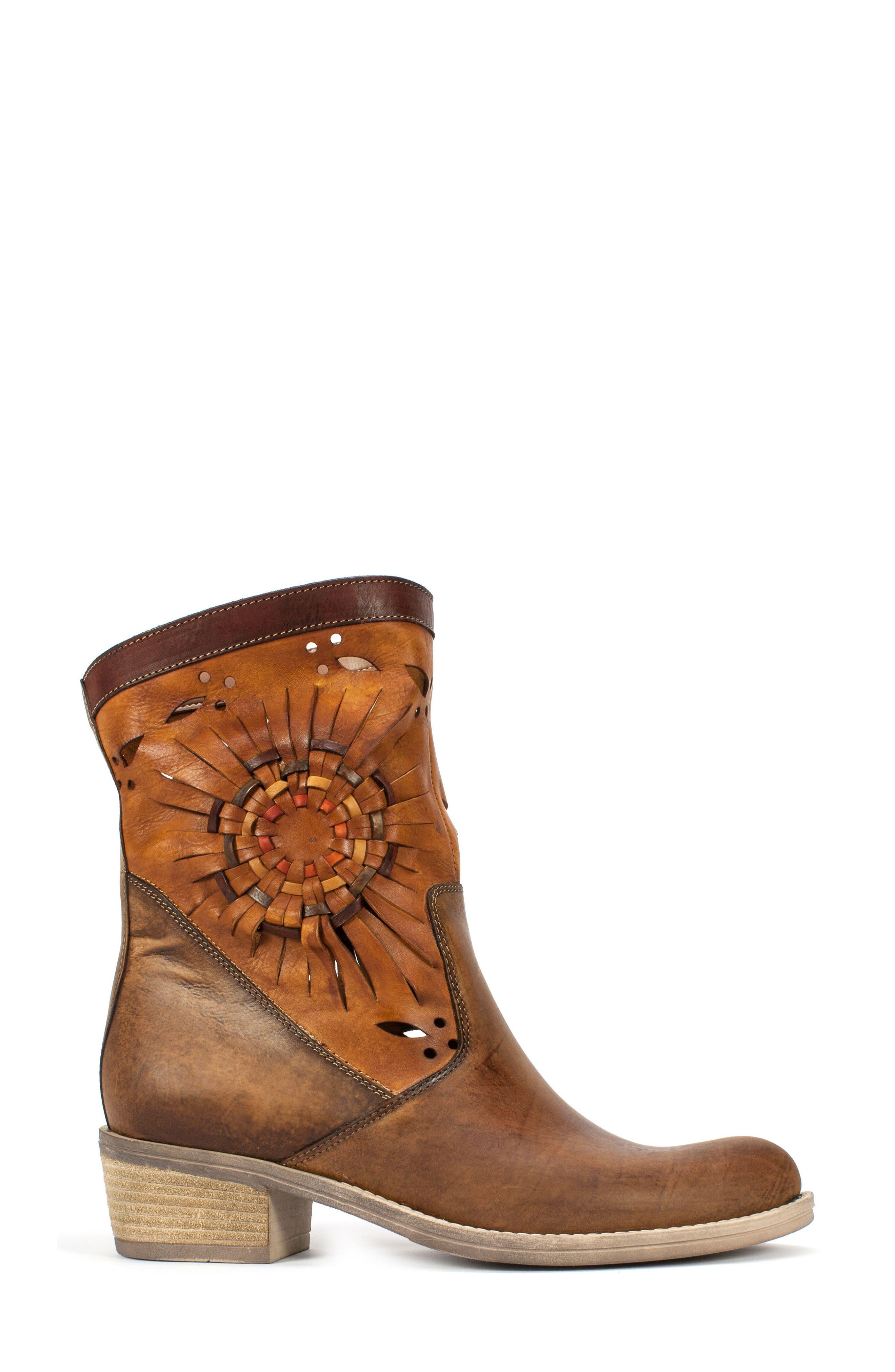 Alternate Image 3  - Summit Taryn Woven Sunburst Boot (Women)