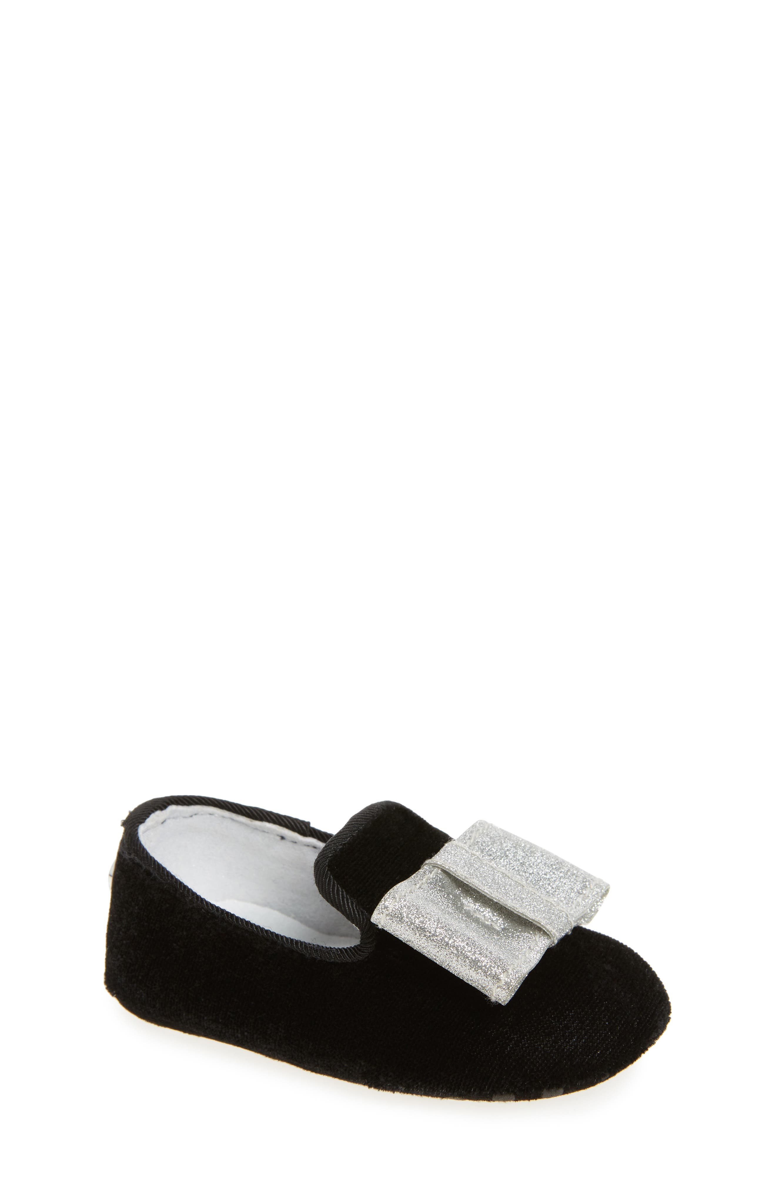 Stuart Weitzman Bow Loafer Crib Shoe (Baby)