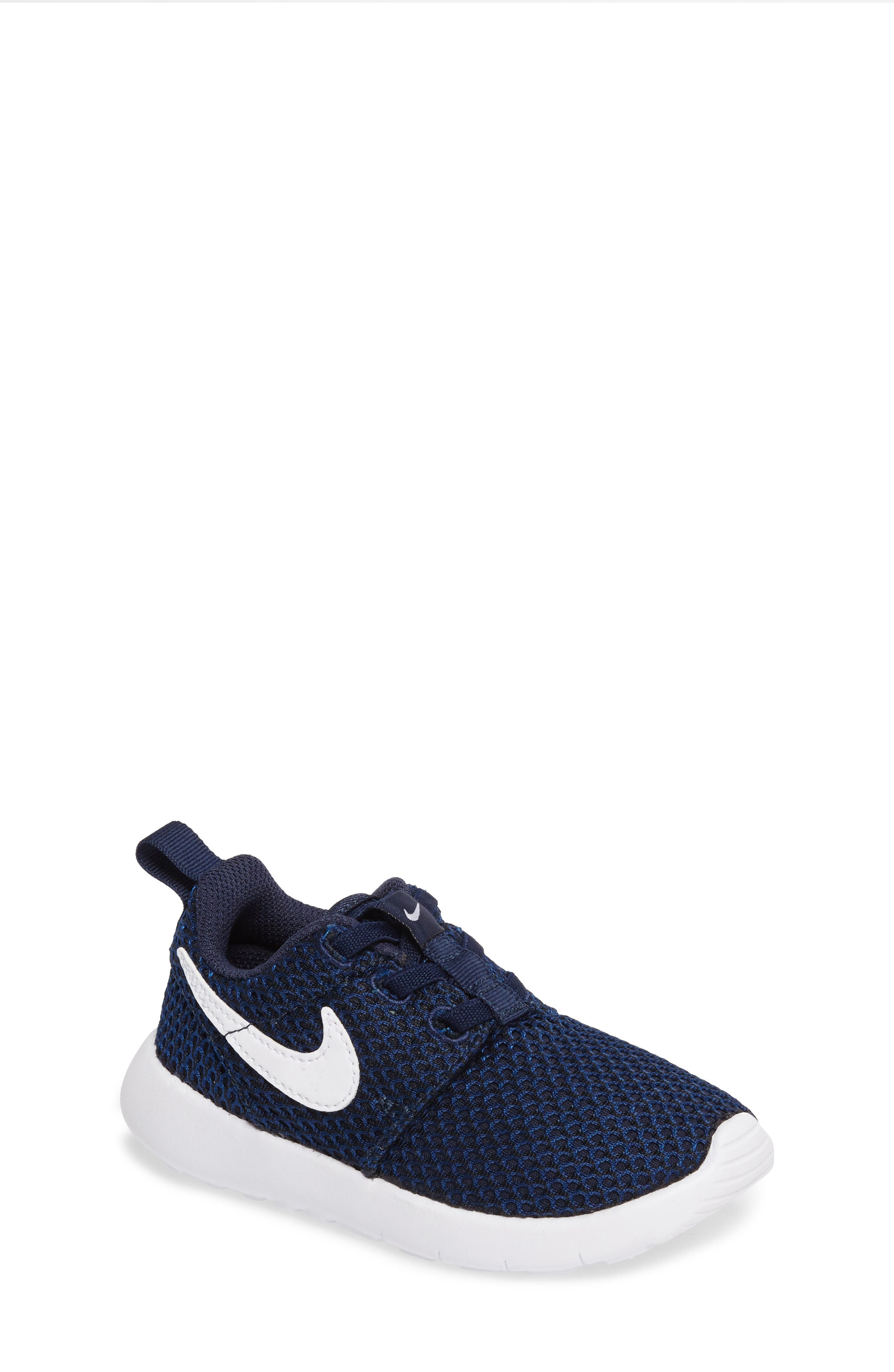 Alternate Image 1 Selected - Nike 'Roshe Run' Sneaker (Baby, Walker & Toddler)