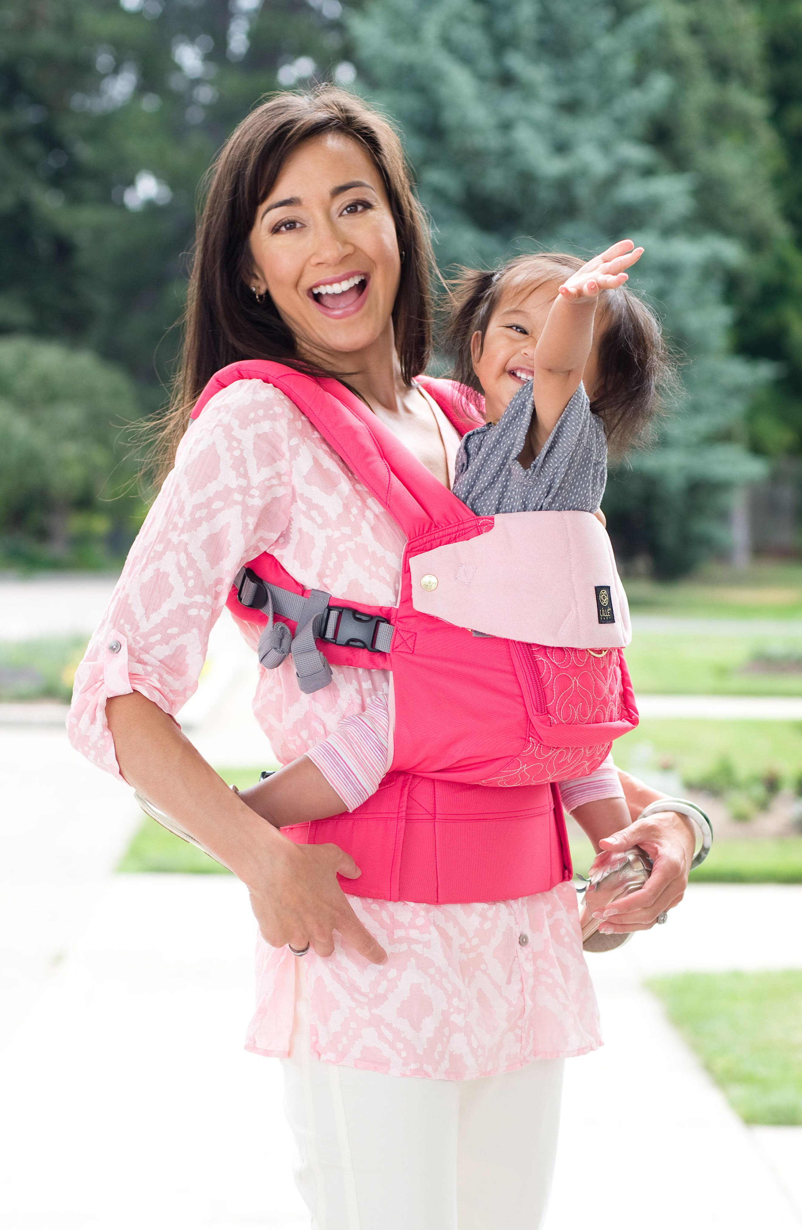Alternate Image 6  - LILLEbaby 'Complete Embossed Luxe' Baby Carrier