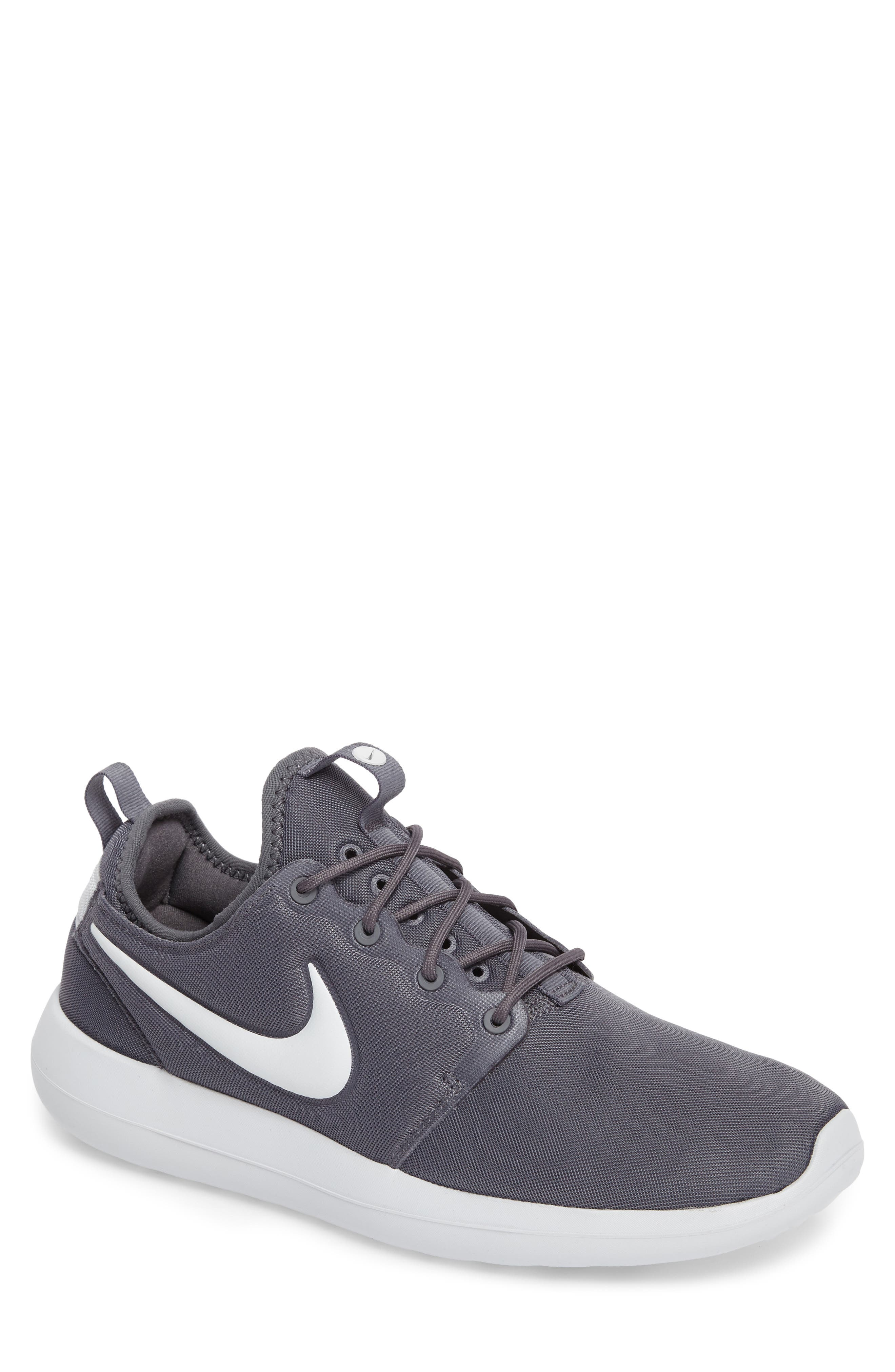 Main Image - Nike Roshe Two Sneaker (Men)