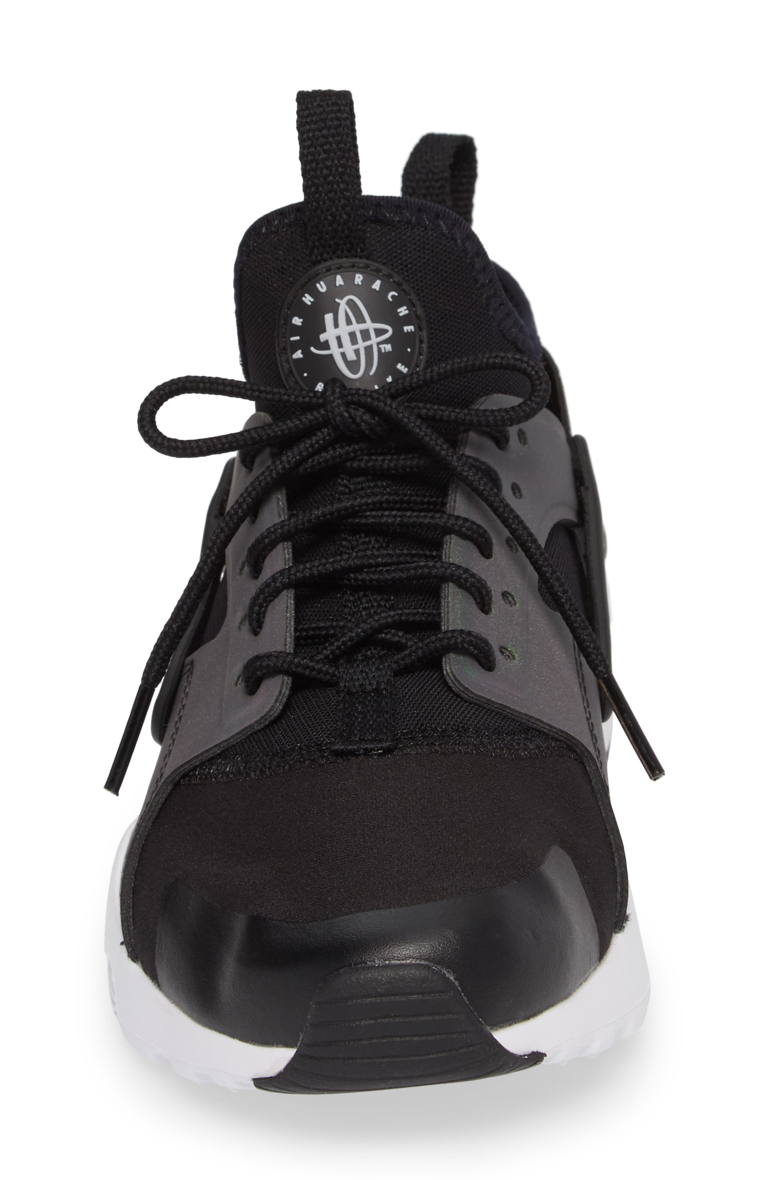 Air Huarache Run SE Sneaker,                             Alternate thumbnail 4, color,                             Black/ Wolf Grey-White