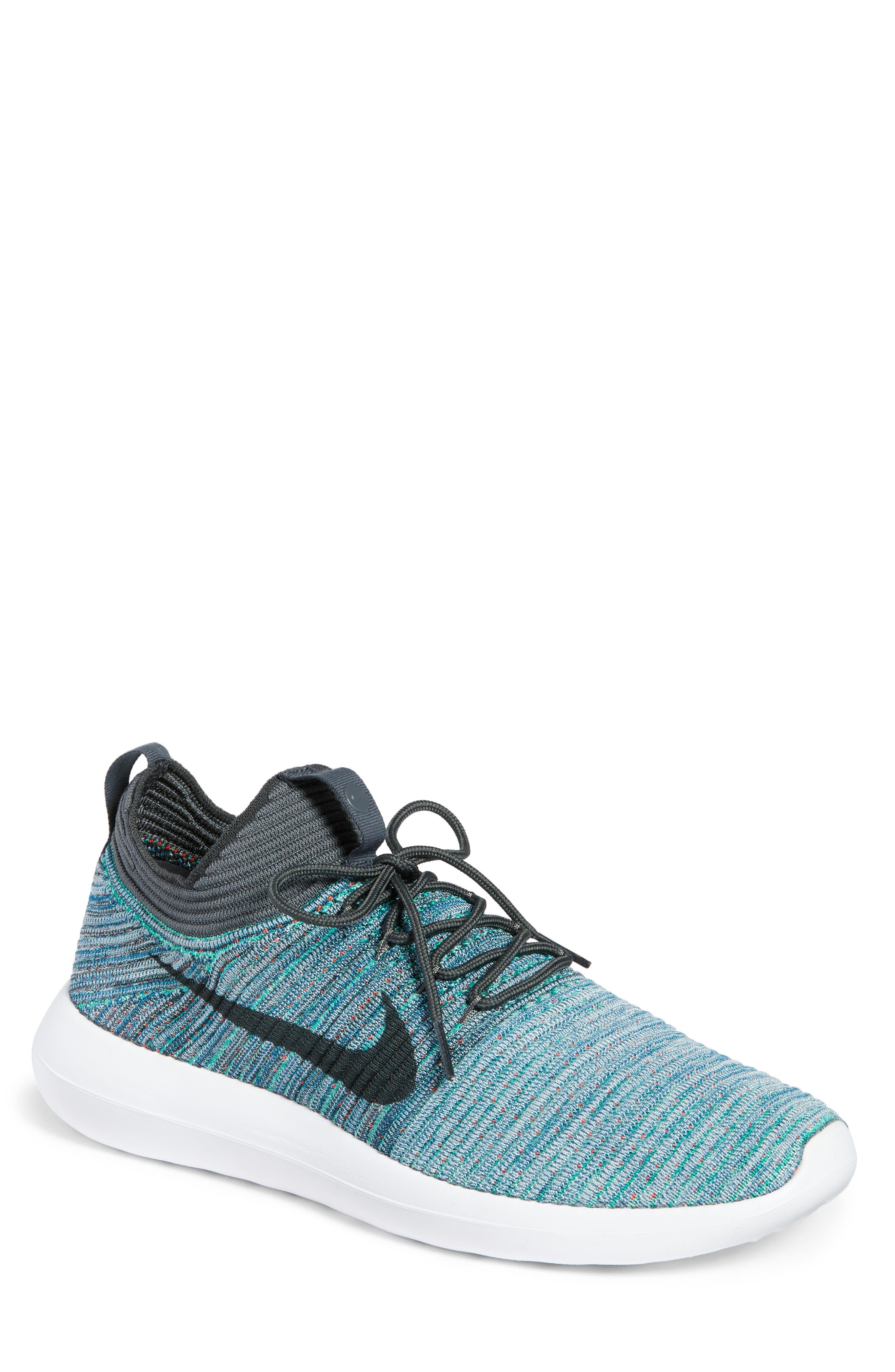 Nike Roshe Two Flyknit V2 Sneaker (Men)