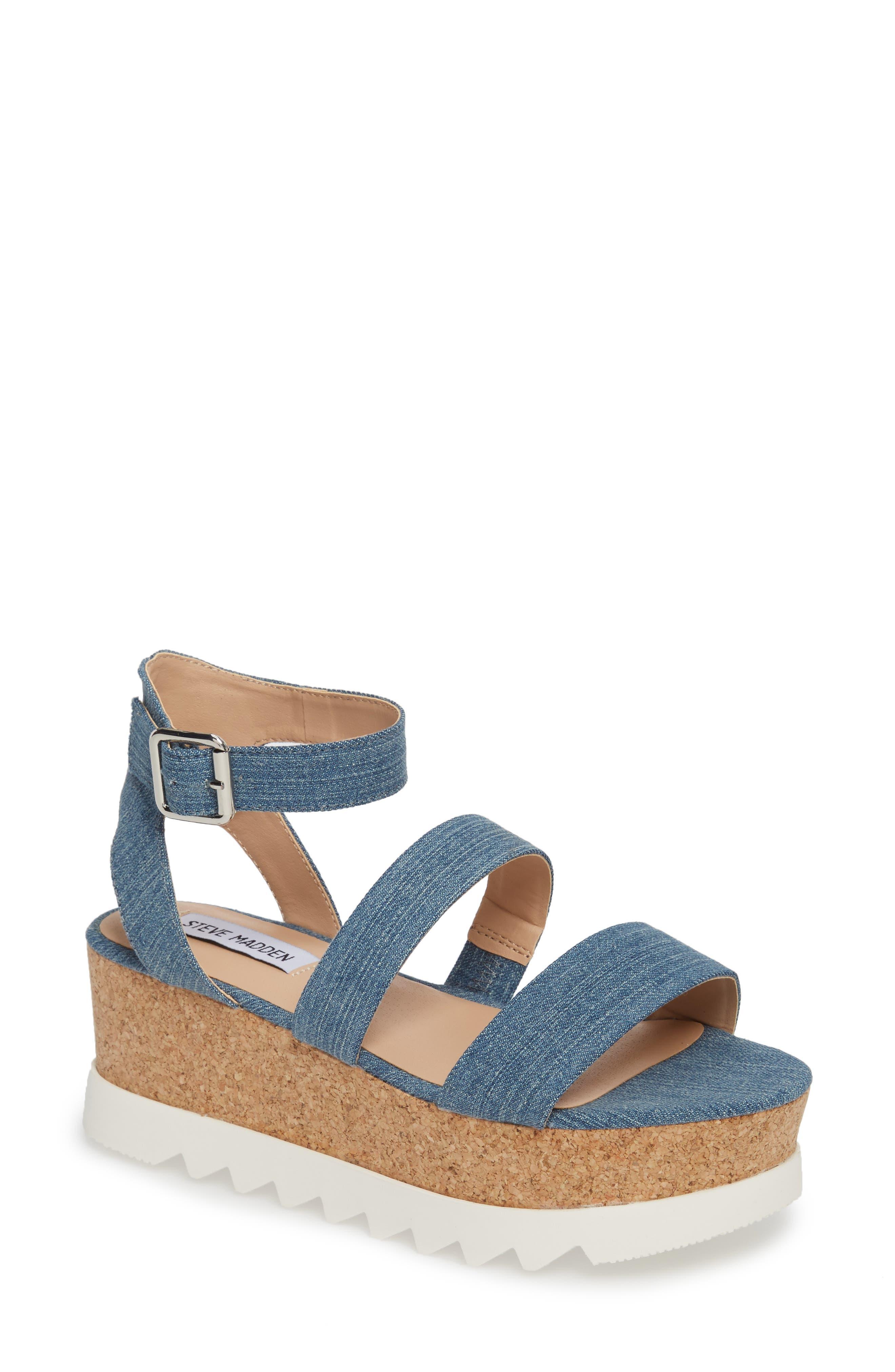 Alternate Image 1 Selected - Steve Madden Kirsten Layered Platform Sandal (Women)