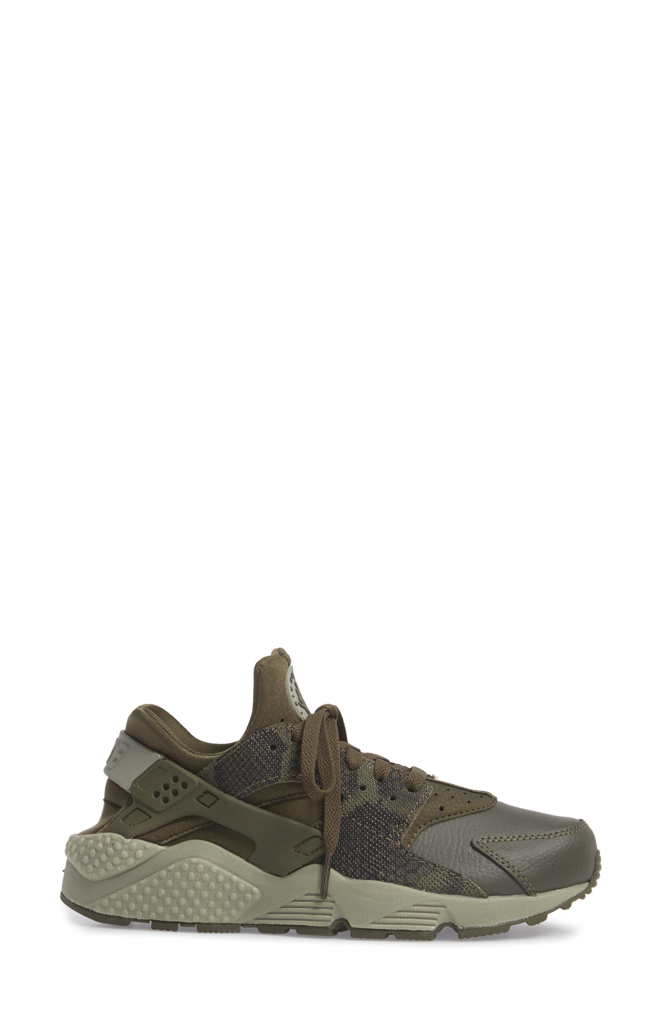 'Air Huarache' Sneaker,                             Alternate thumbnail 3, color,                             Cargo Khaki/ Cargo Khaki