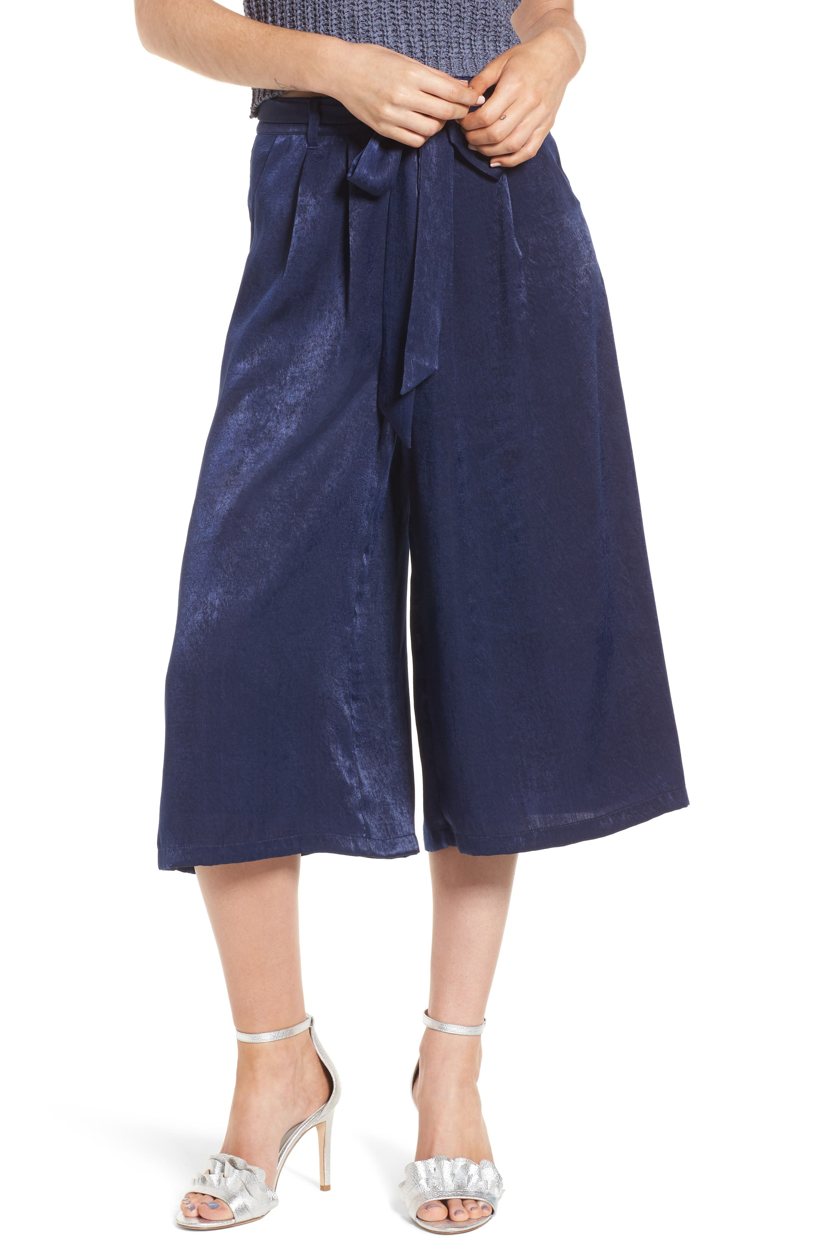 4SI3NNA Tie Front Satin Culottes