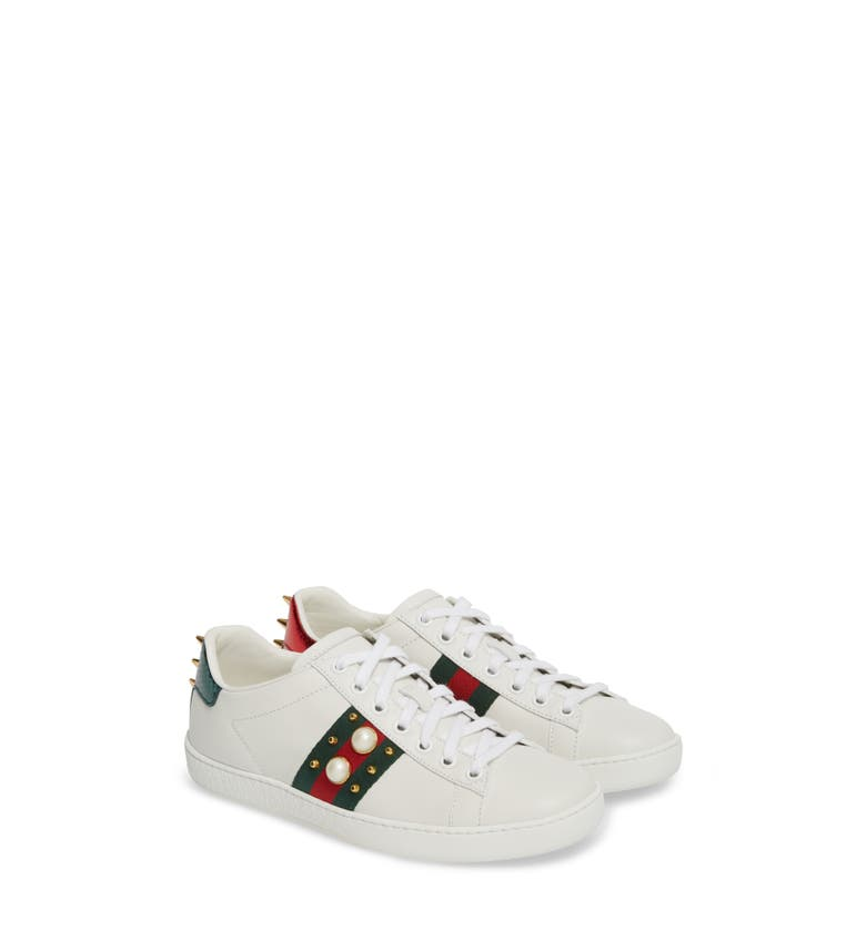 Main Image - Gucci 'New Ace' Low Top Sneaker (Women)