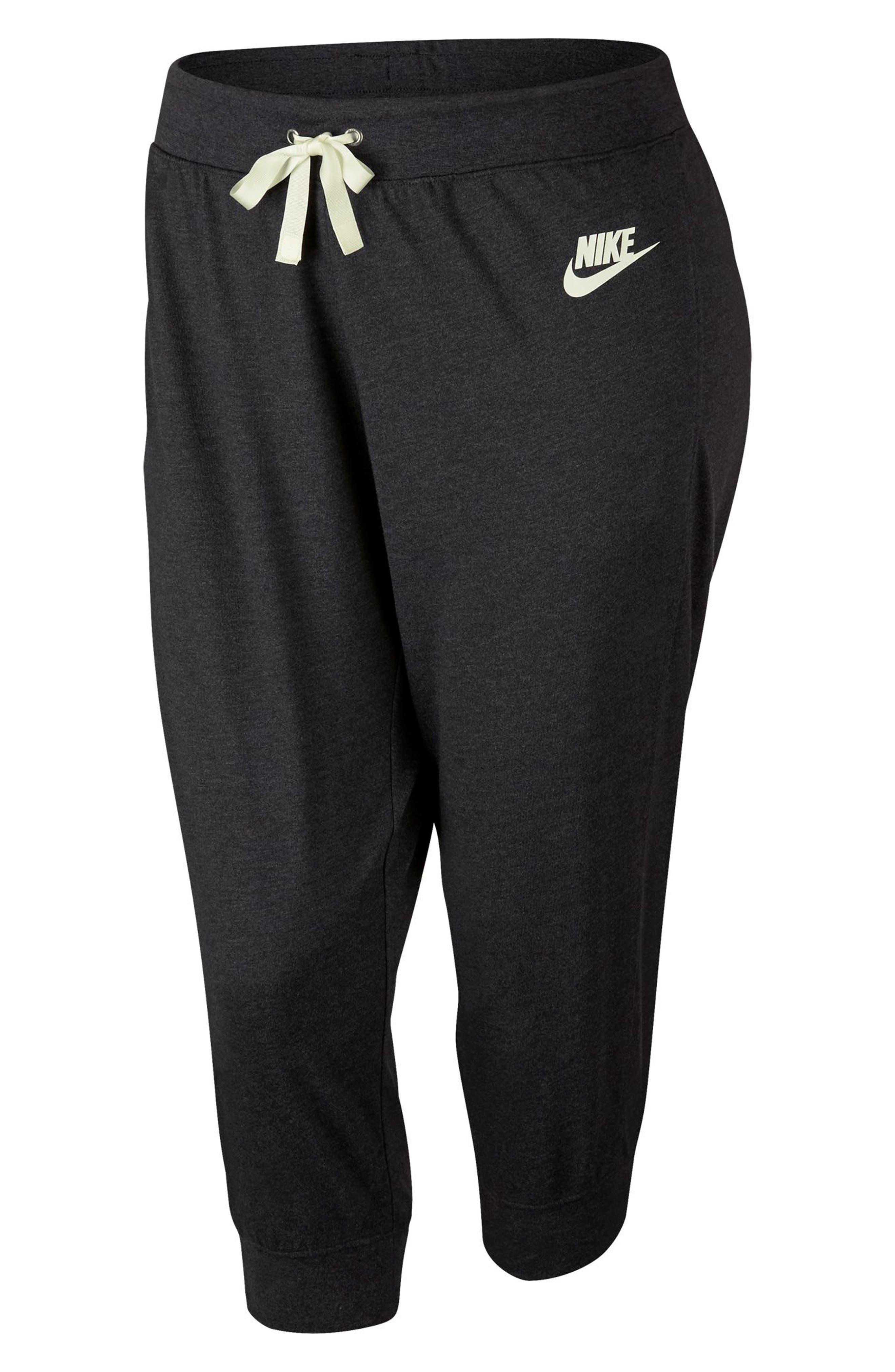 Sportswear Gym Capris,                             Alternate thumbnail 7, color,                             Black Heather/ Sail