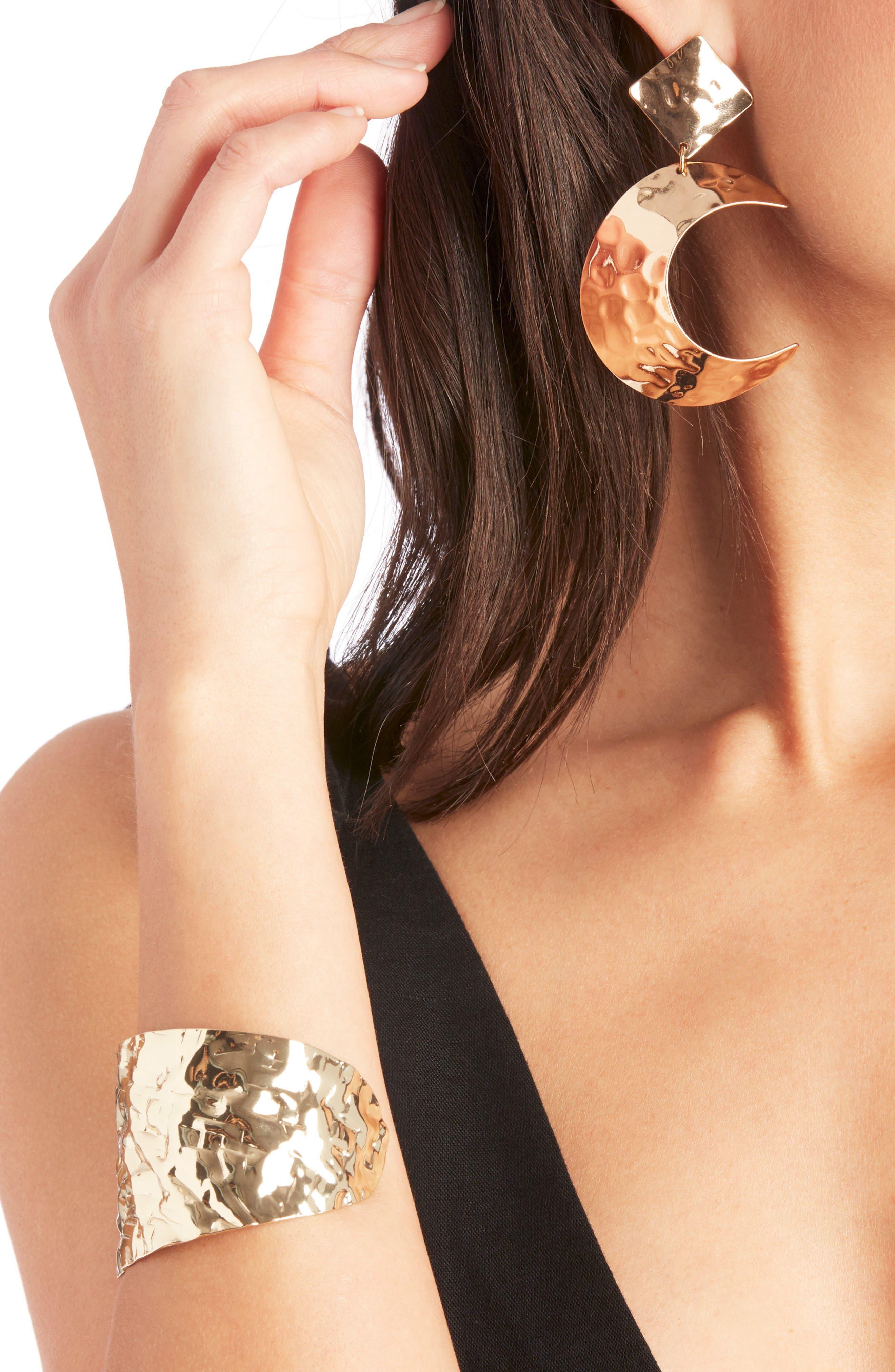 Textured Metal Cuff Bracelet,                             Alternate thumbnail 2, color,                             Gold