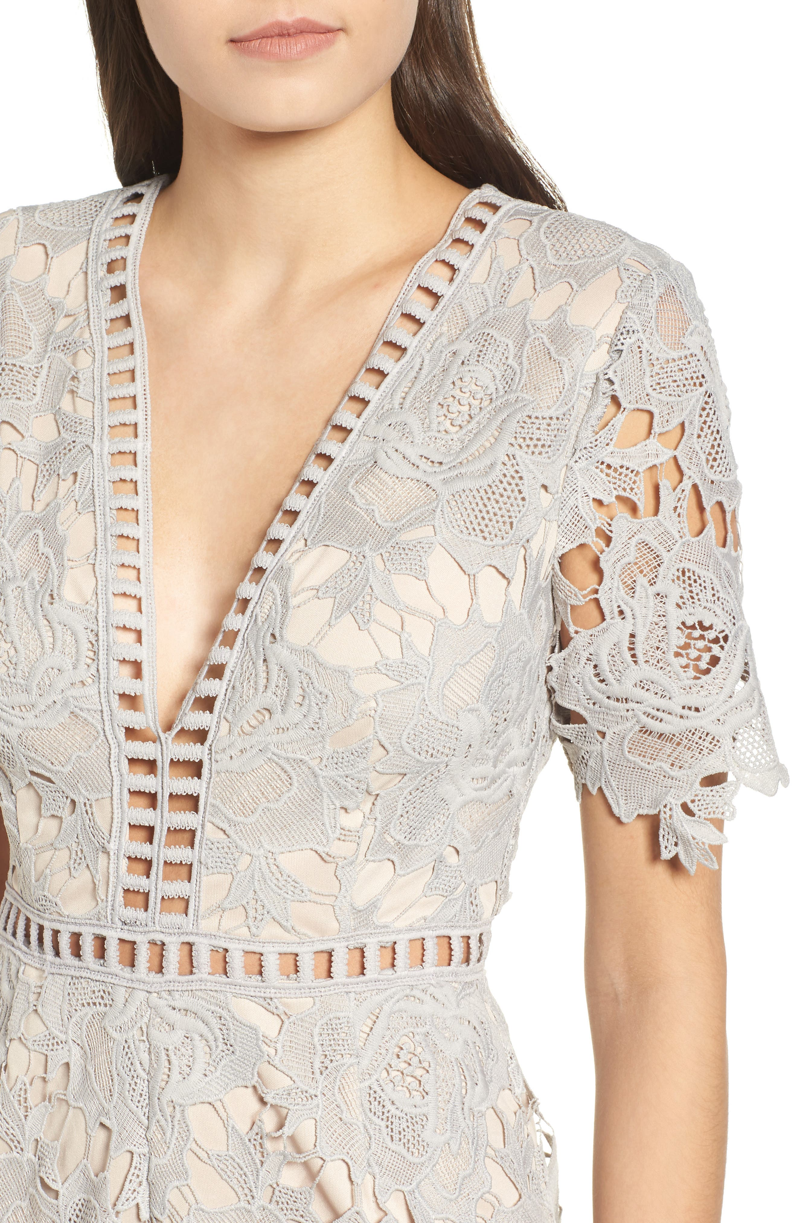 Short Sleeve V-Neck Lace Romper,                             Alternate thumbnail 4, color,                             Light Grey