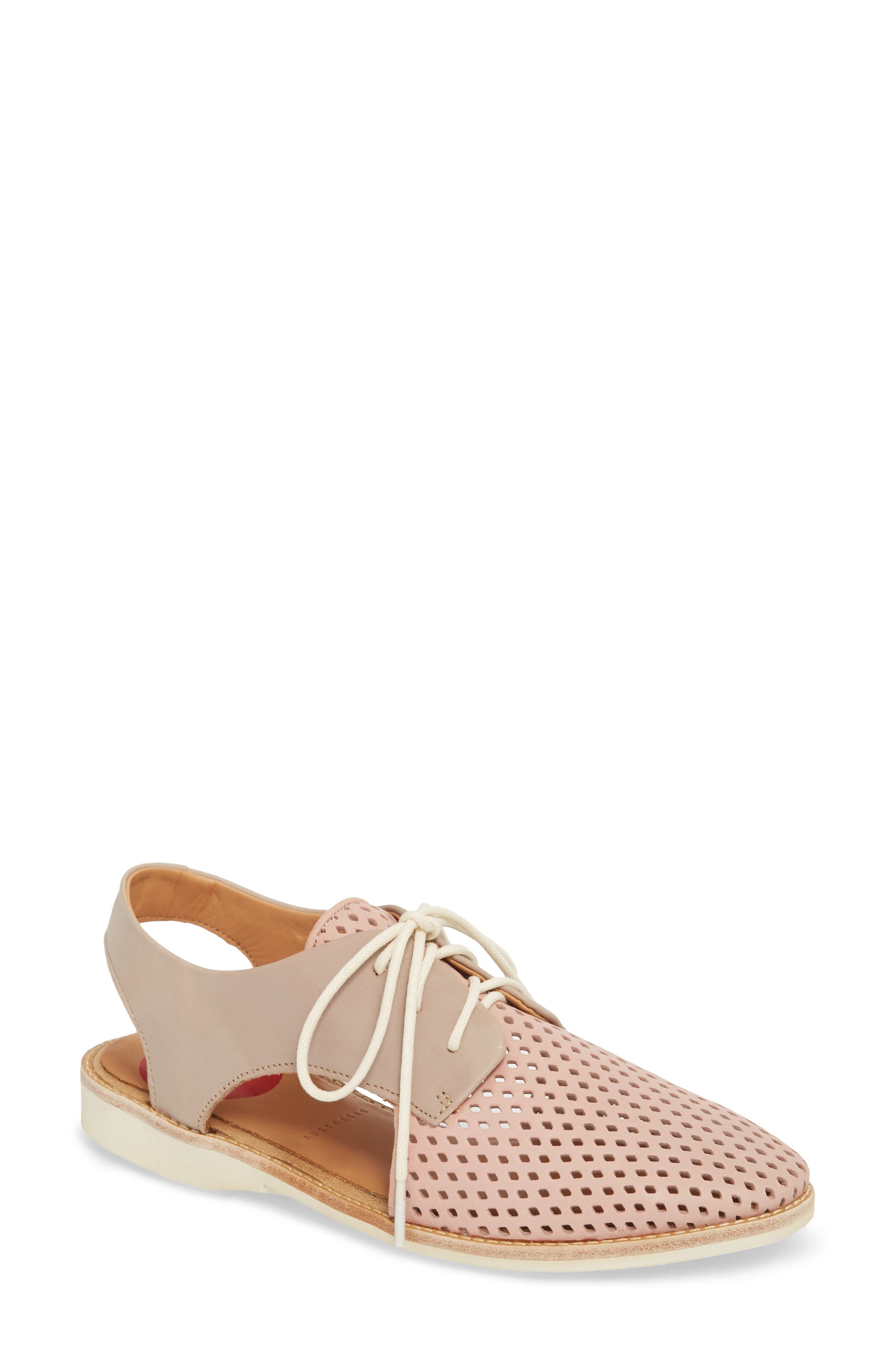SLINGBACK PUNCH PERFORATED DERBY