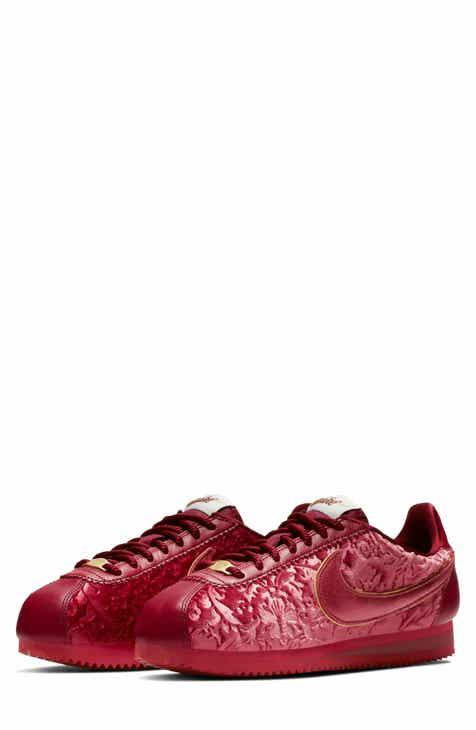 Nike Classic Cortez SE Sneaker (Women) 1ac1031cab