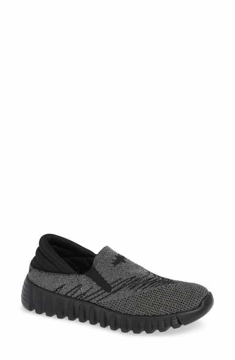 bfcf924412e bernie mev. Simmi Knit Slip-On Sneaker (Women)