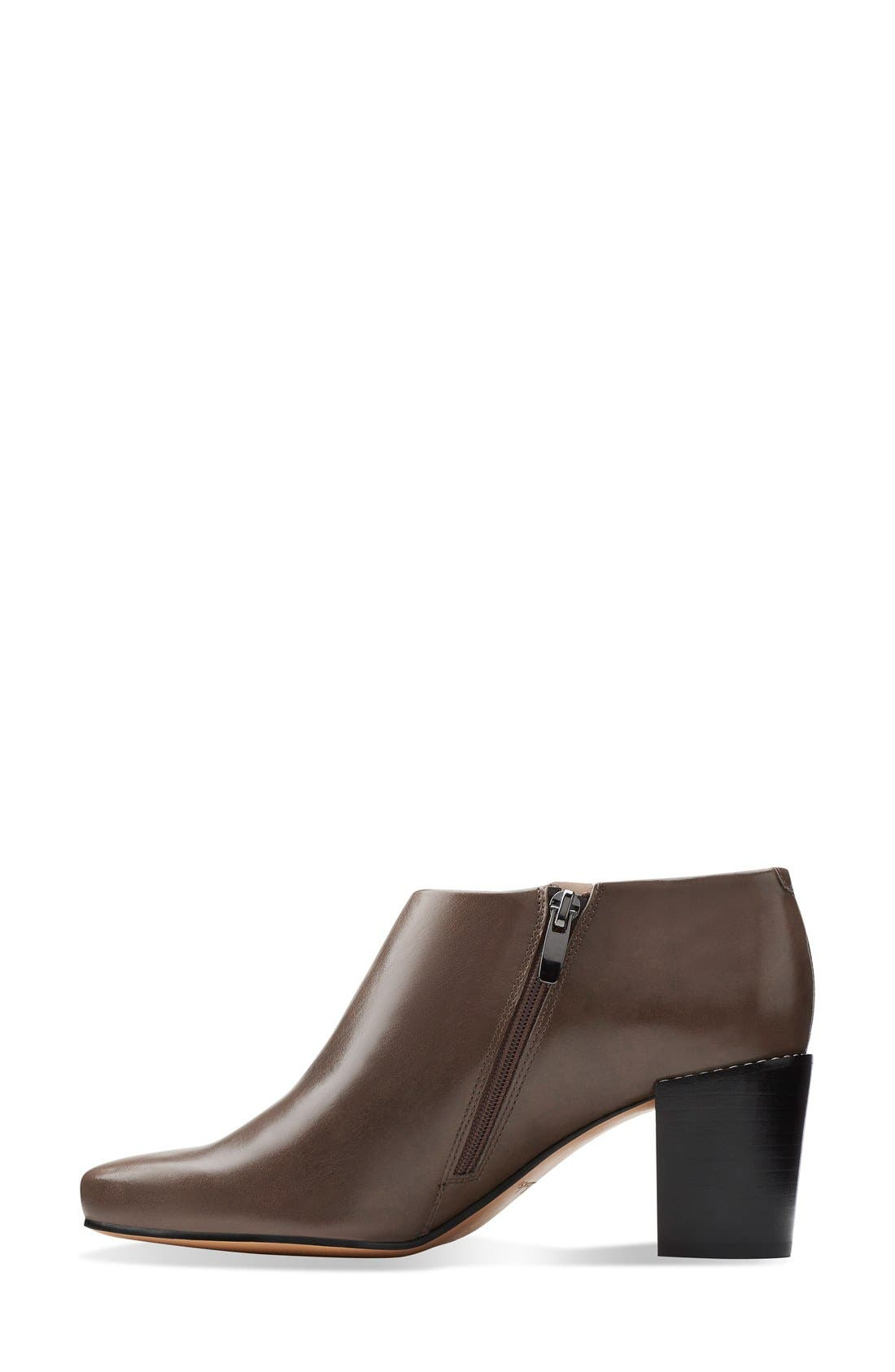 Alternate Image 2  - Clarks® Narrative 'Cleaves Vibe' Bootie (Women)
