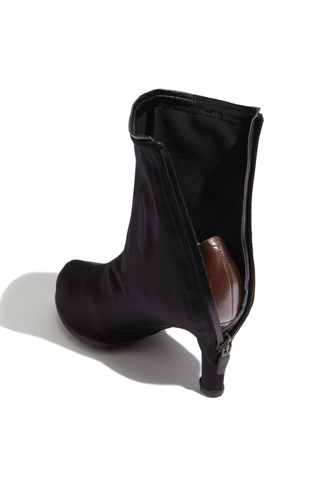 Alternate Image 2  - Grace Carter 'High Round' Shoe Cover