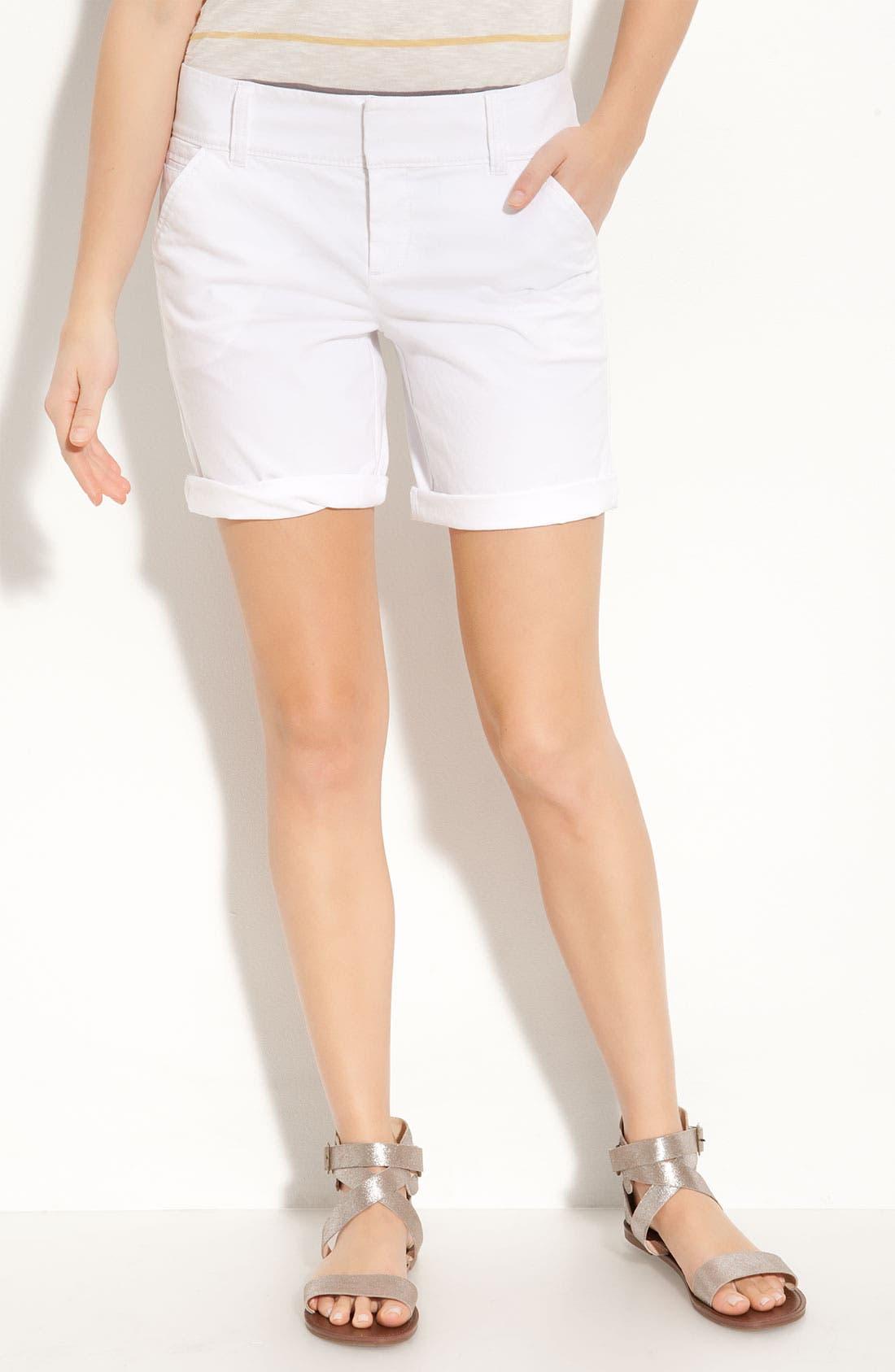 Main Image - Caslon® Stretch Twill Shorts (Petite)