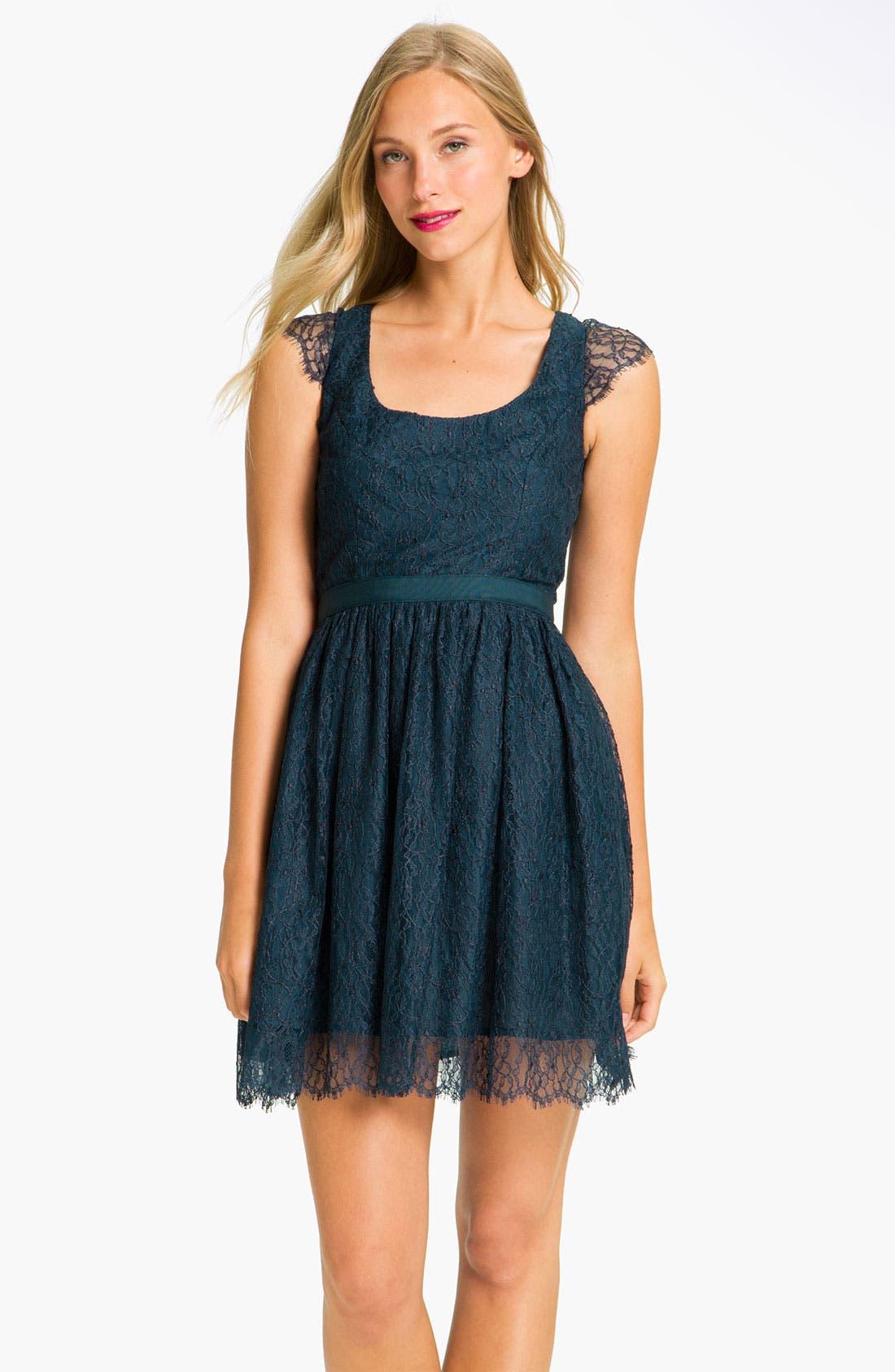 Main Image - Shoshanna 'Risa' Cap Sleeve Chantilly Lace Dress