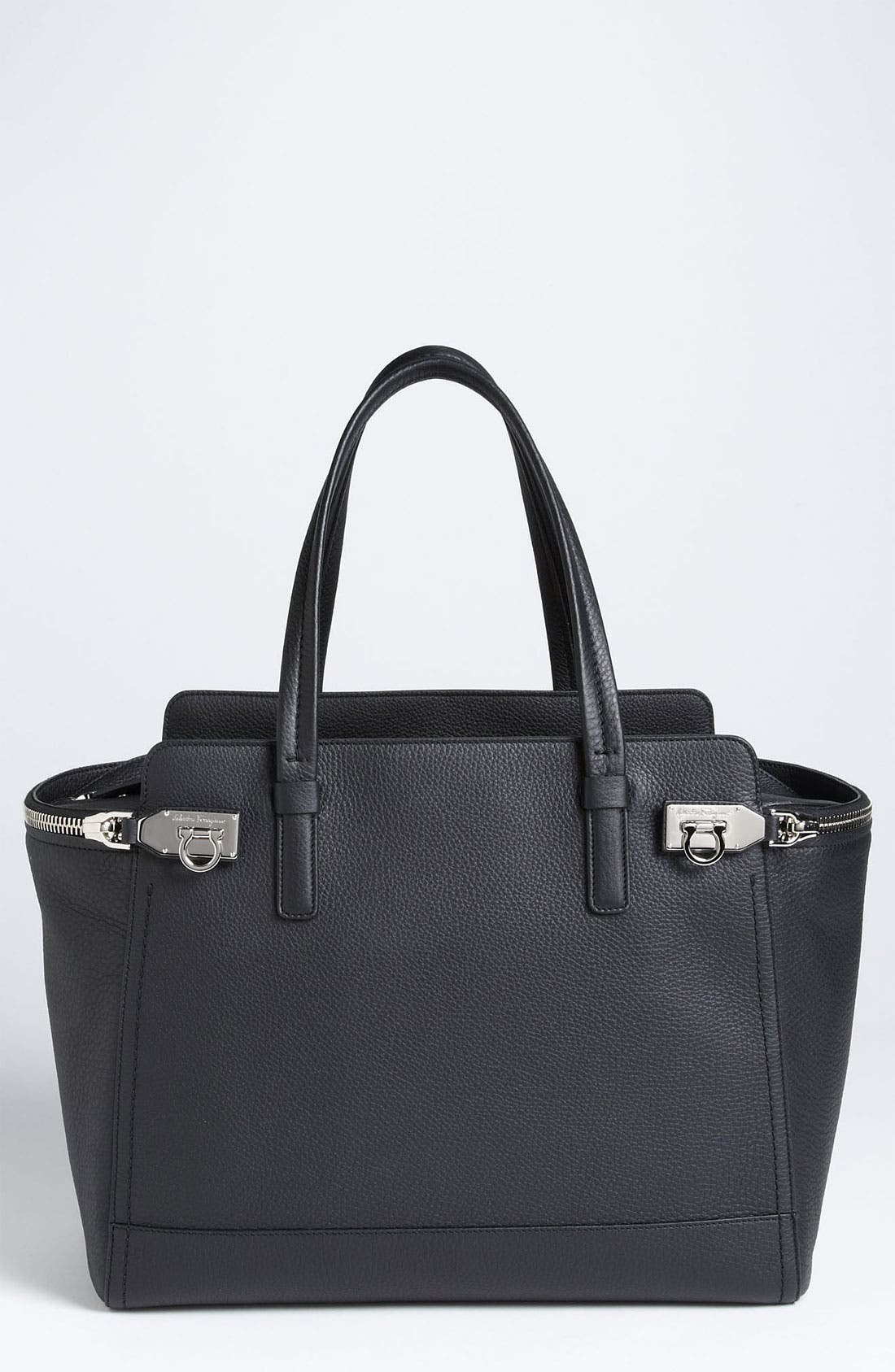 Main Image - Salvatore Ferragamo 'Arianna - Medium' Leather Satchel