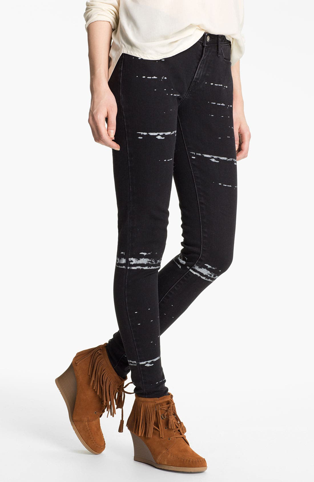 Alternate Image 2  - Levi's® 'The Legging' Print Skinny Jeans