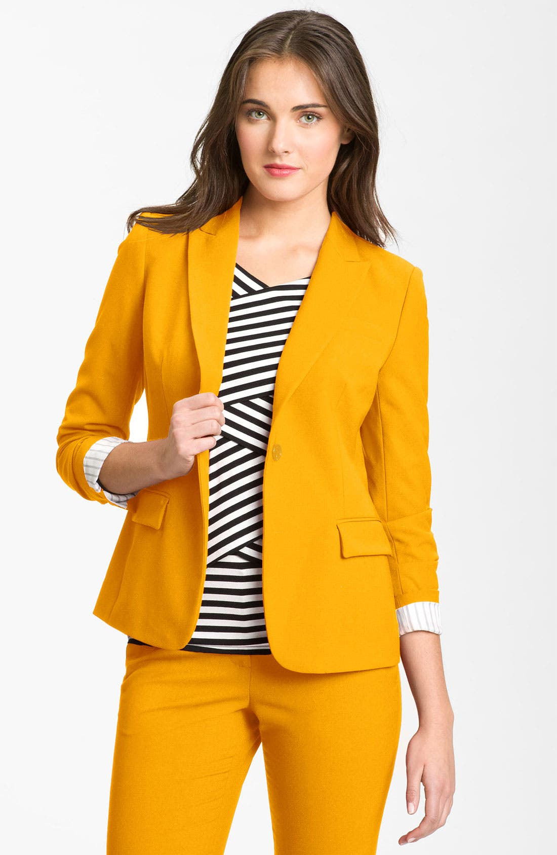 Alternate Image 2  - Vince Camuto One Button Blazer (Petite)