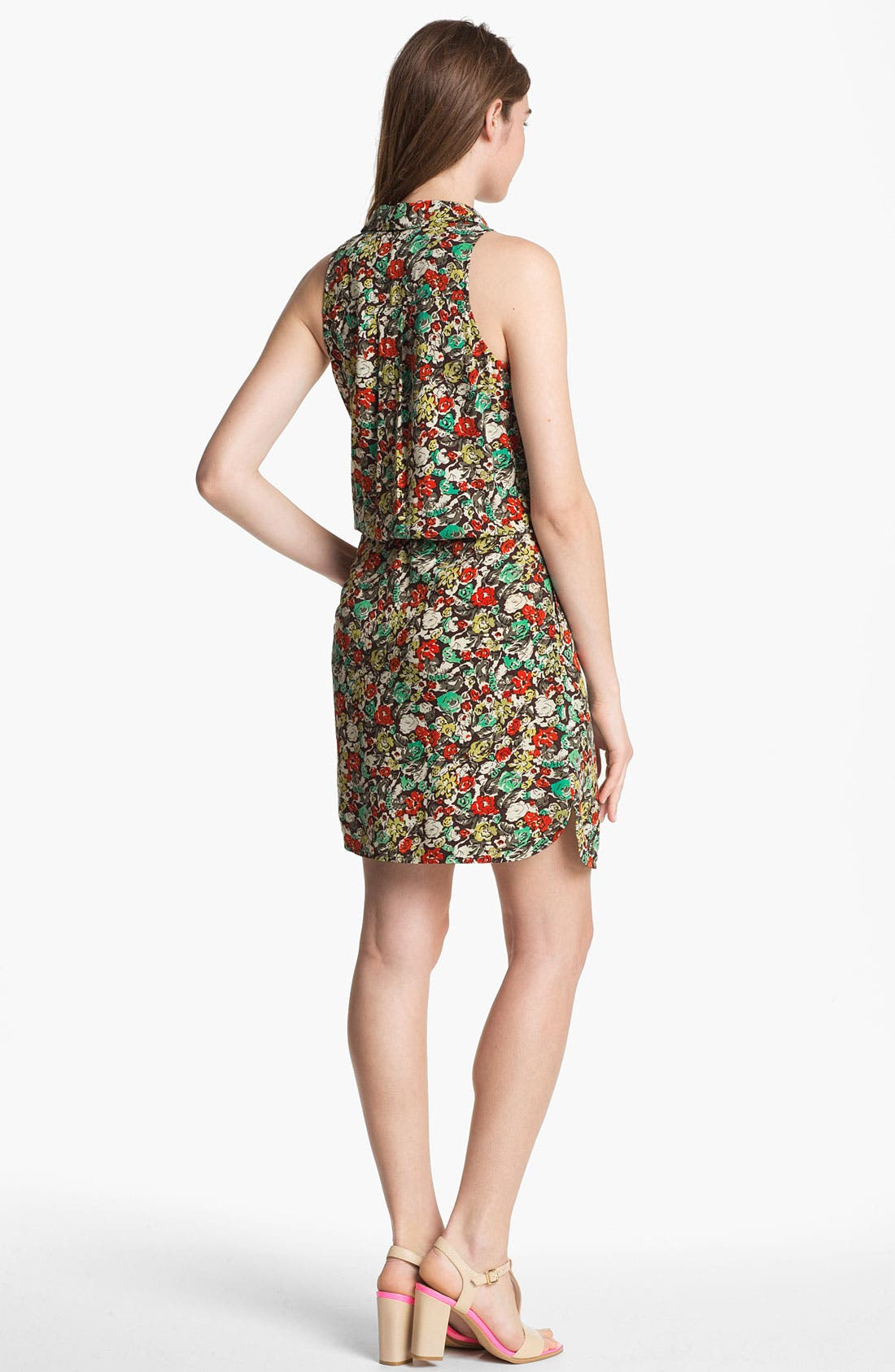 Alternate Image 2  - Two by Vince Camuto 'Monaco' Print Sleeveless Shirtdress
