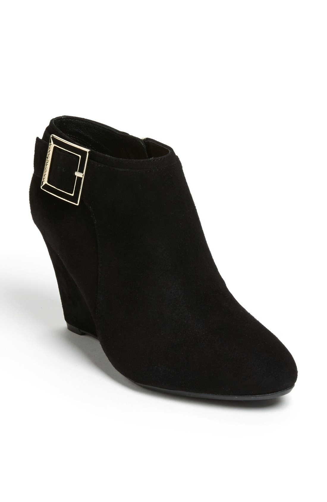 Alternate Image 1 Selected - Isaac Mizrahi New York 'Winona' Bootie