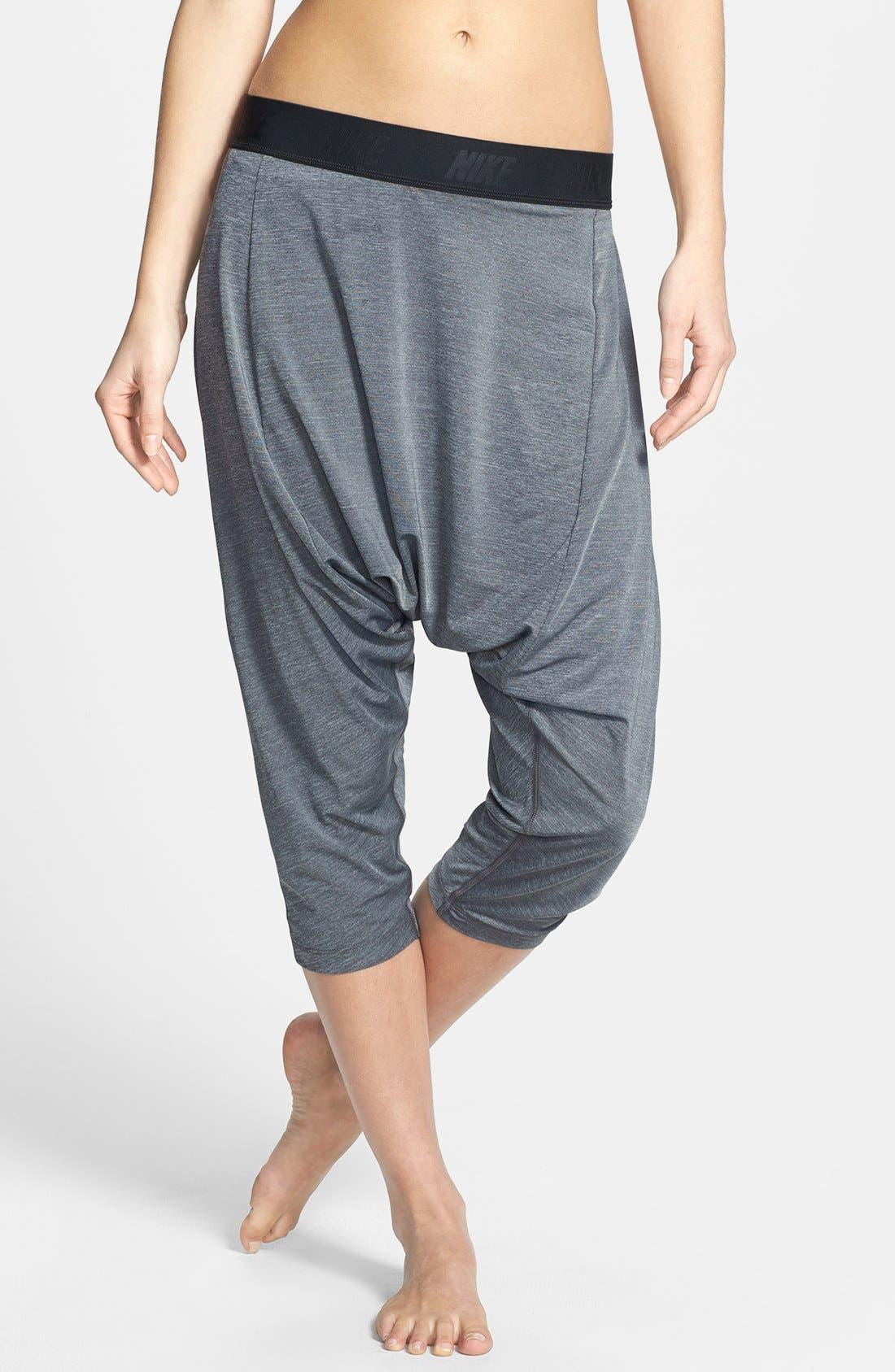 Main Image - Nike 'Tadasana' Dri-FIT Training Harem Capri Pants