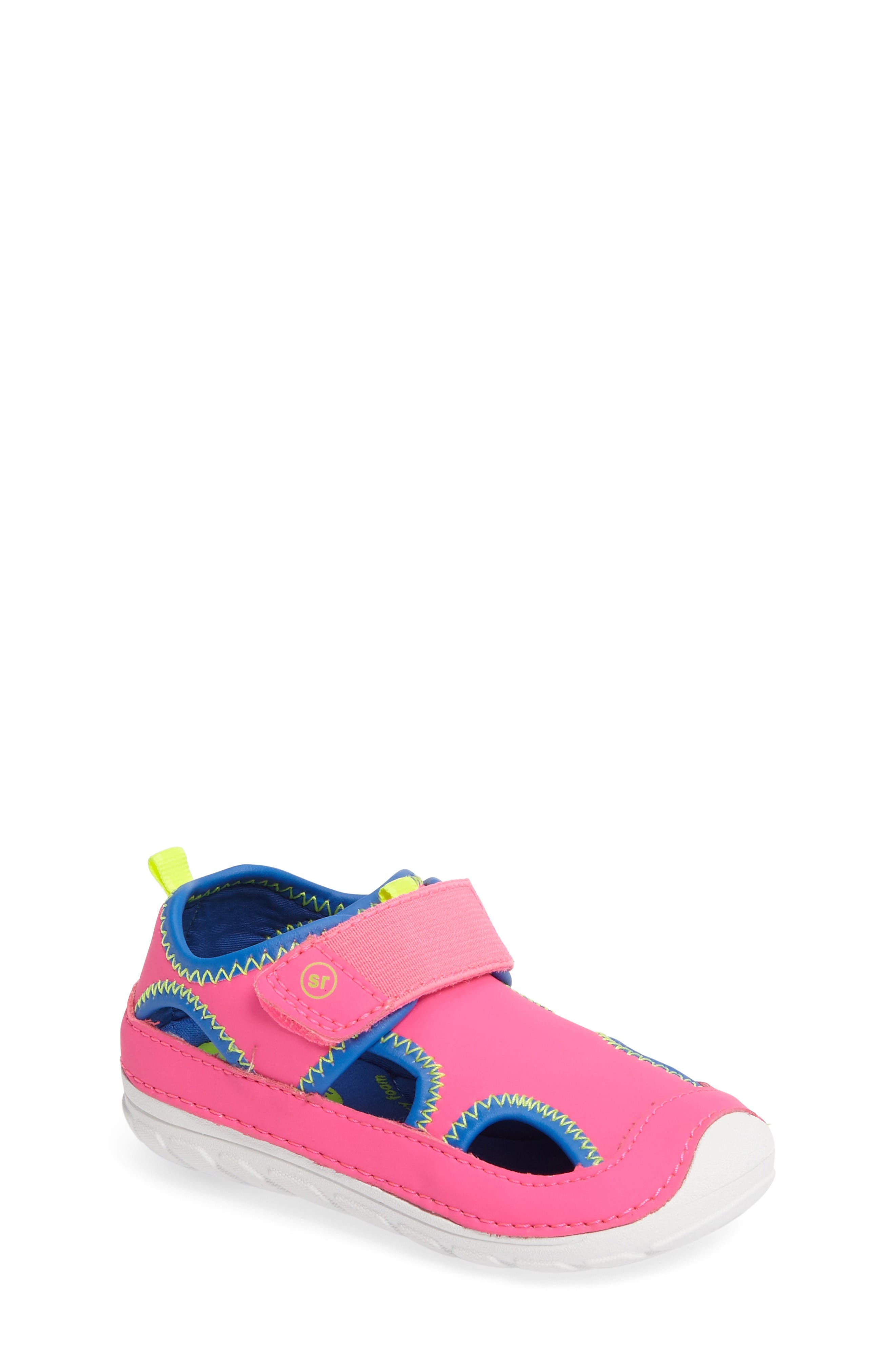 STRIDE RITE Soft Motion<sup>™</sup> Splash Sneaker
